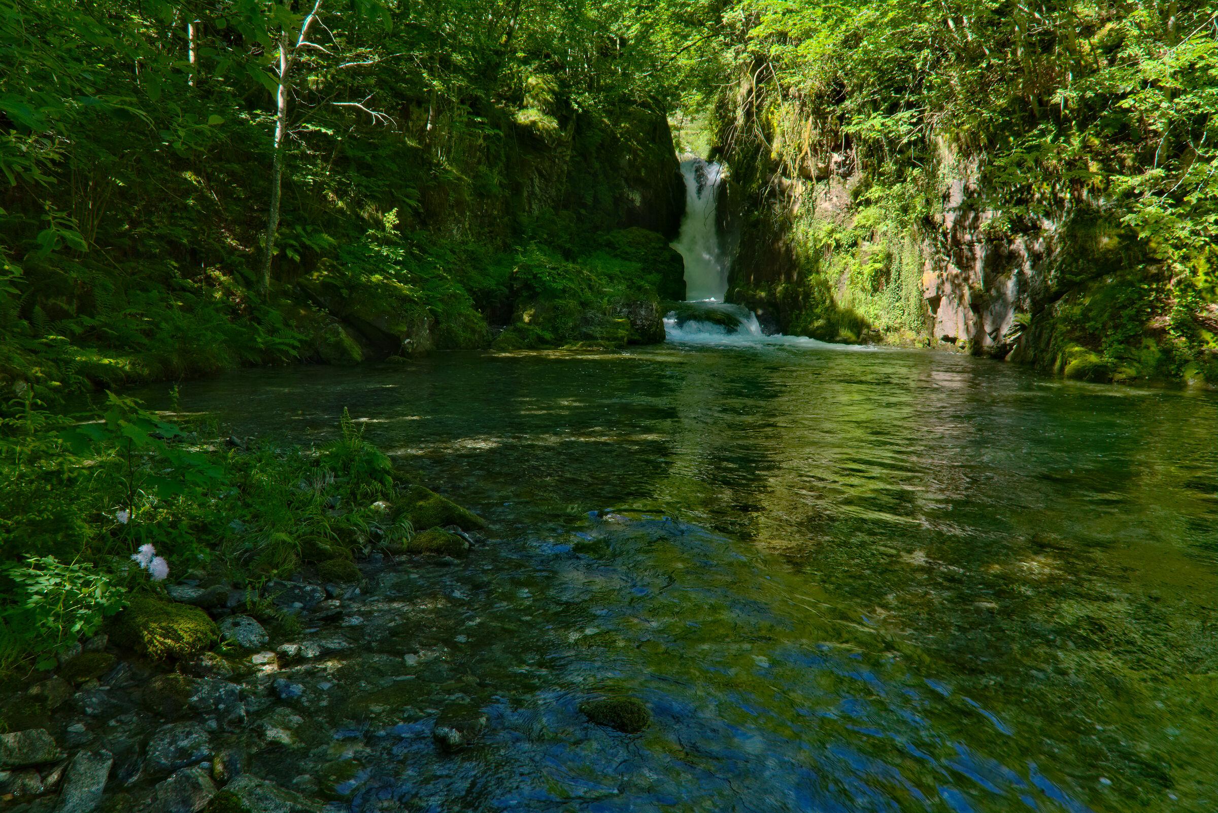 A classic reinterpreted: Rusa waterfall...