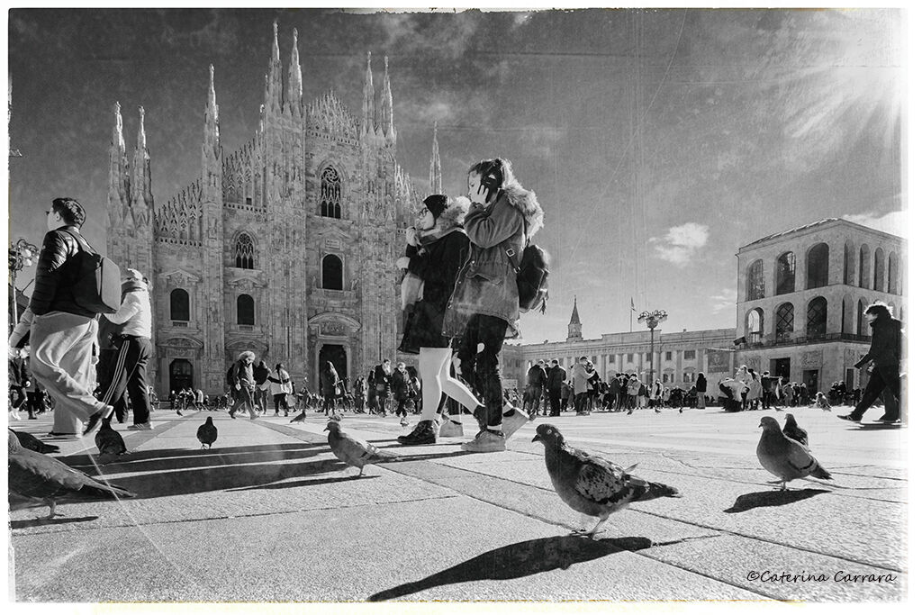 Strolling in front of the Duomo...