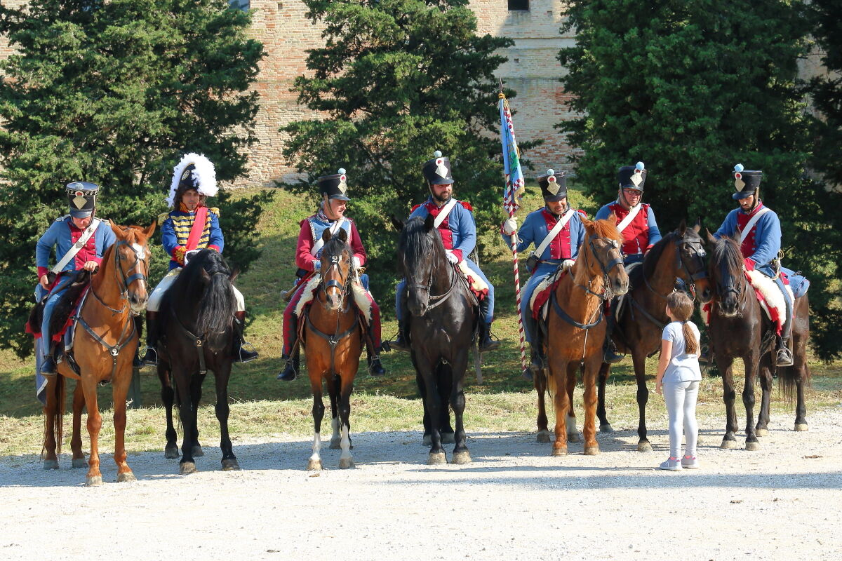 bimba con cavalleria...