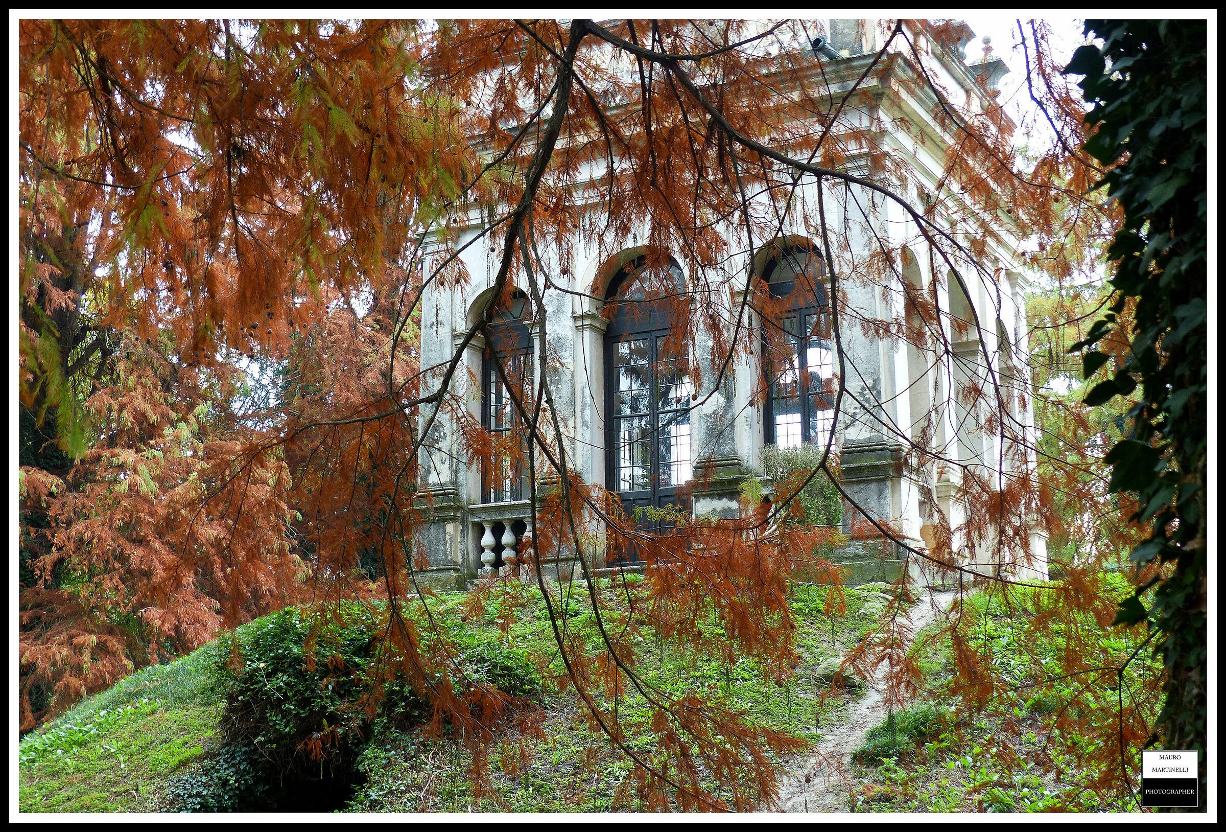 Villa Pisani (Italy)...