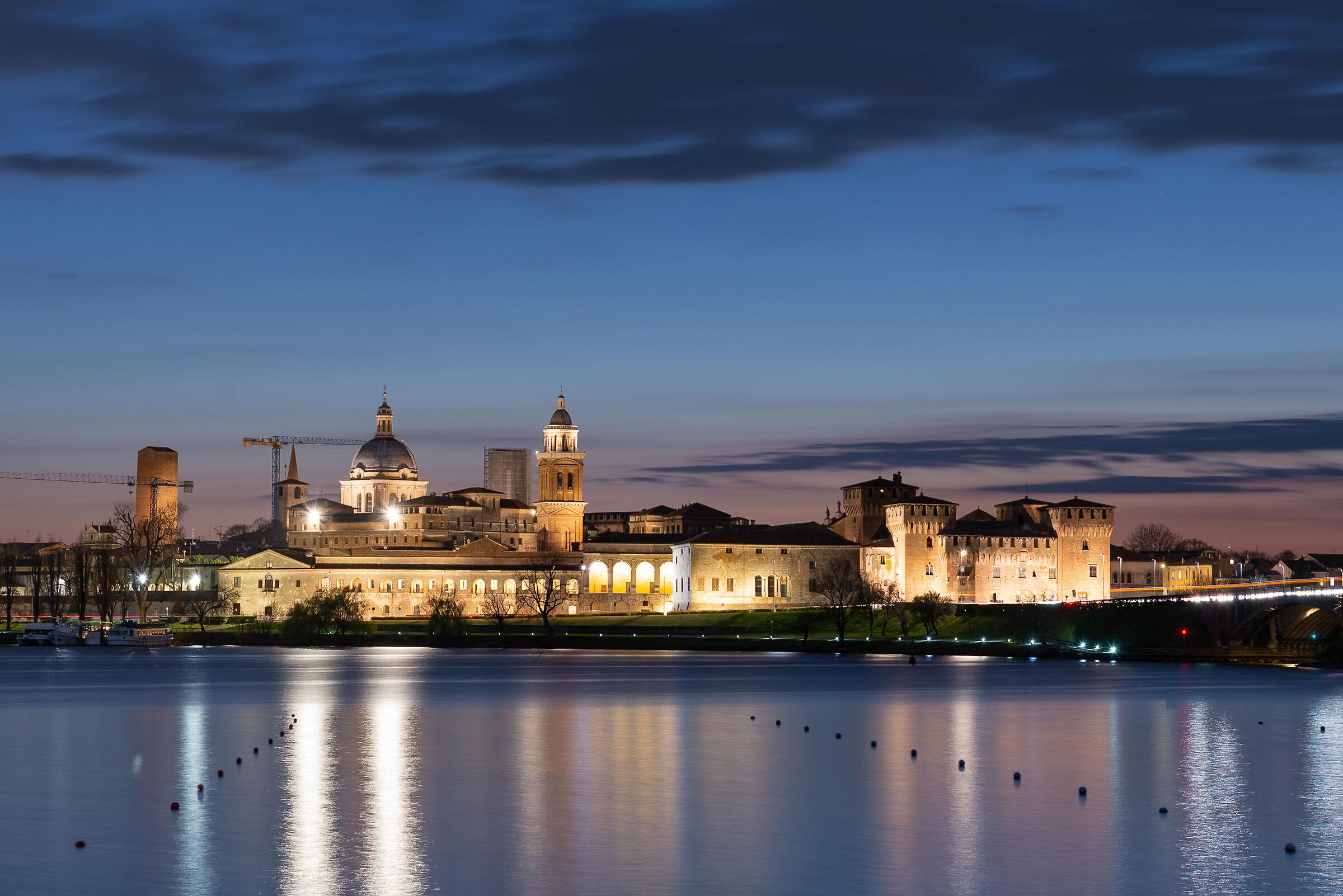 Blue Hour Mantova...