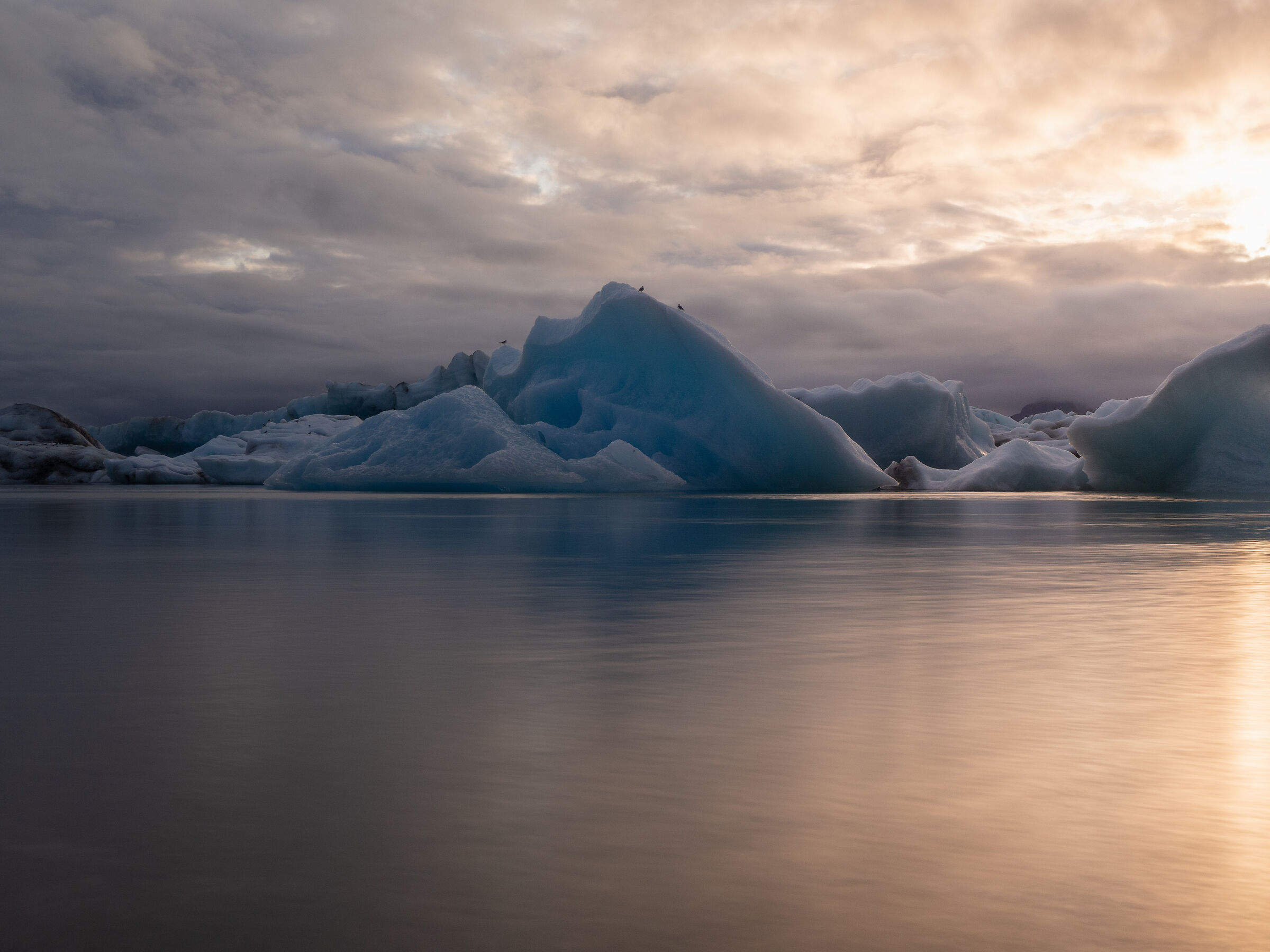 Jökulsarlón Glacier Lagoon...