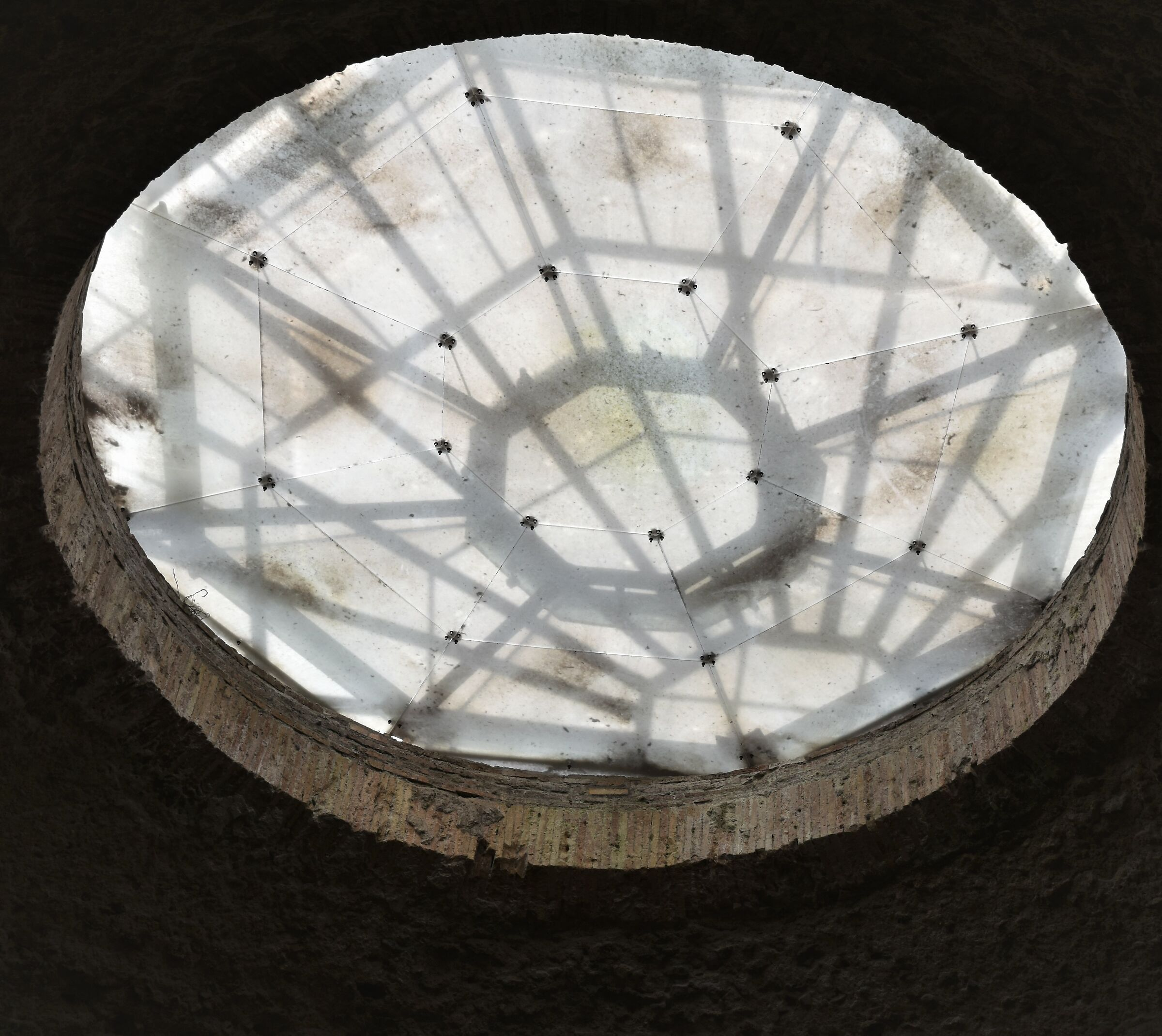 From the Domus area, looking towards the sky.........