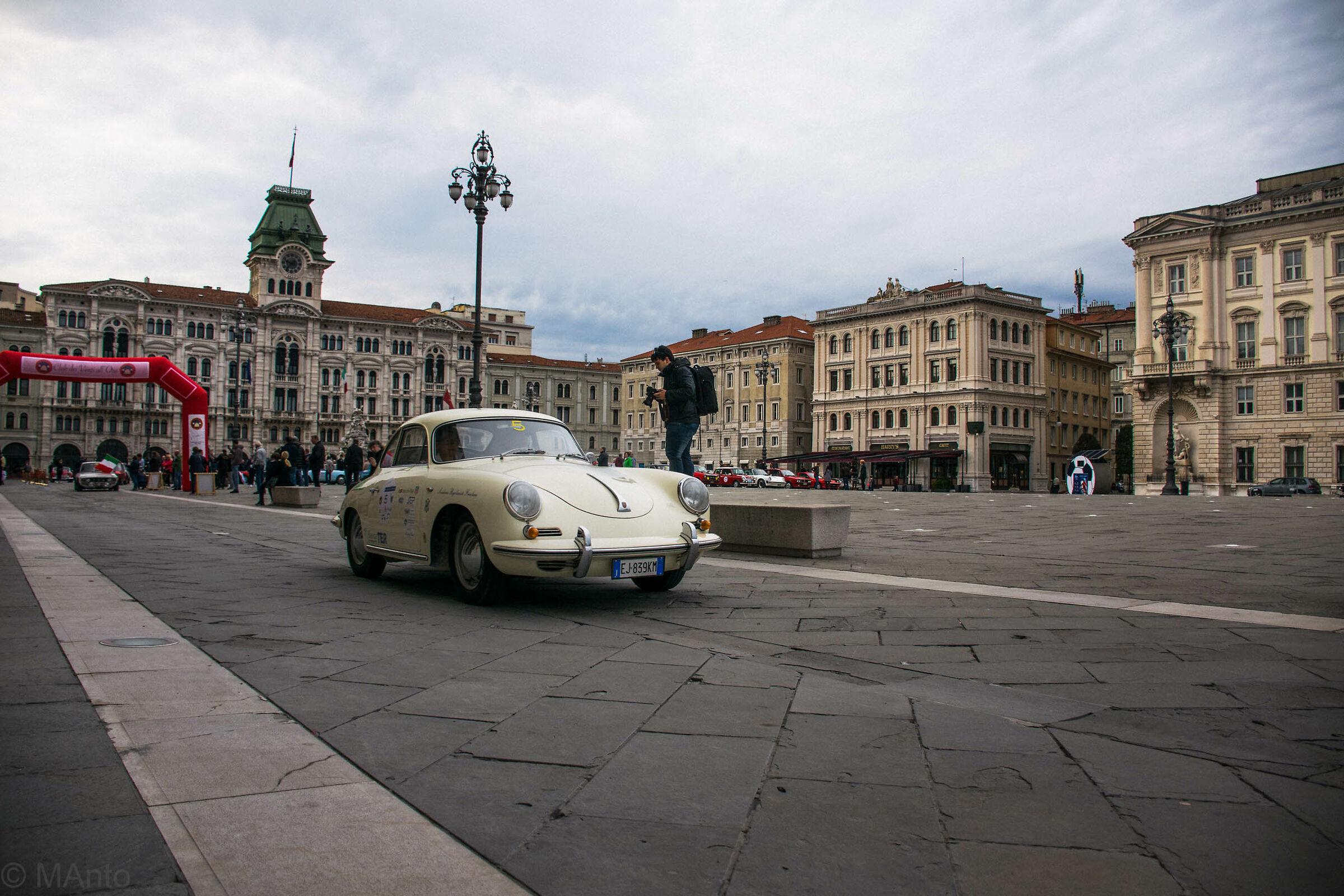 Piazza Dell'unità-Trieste...