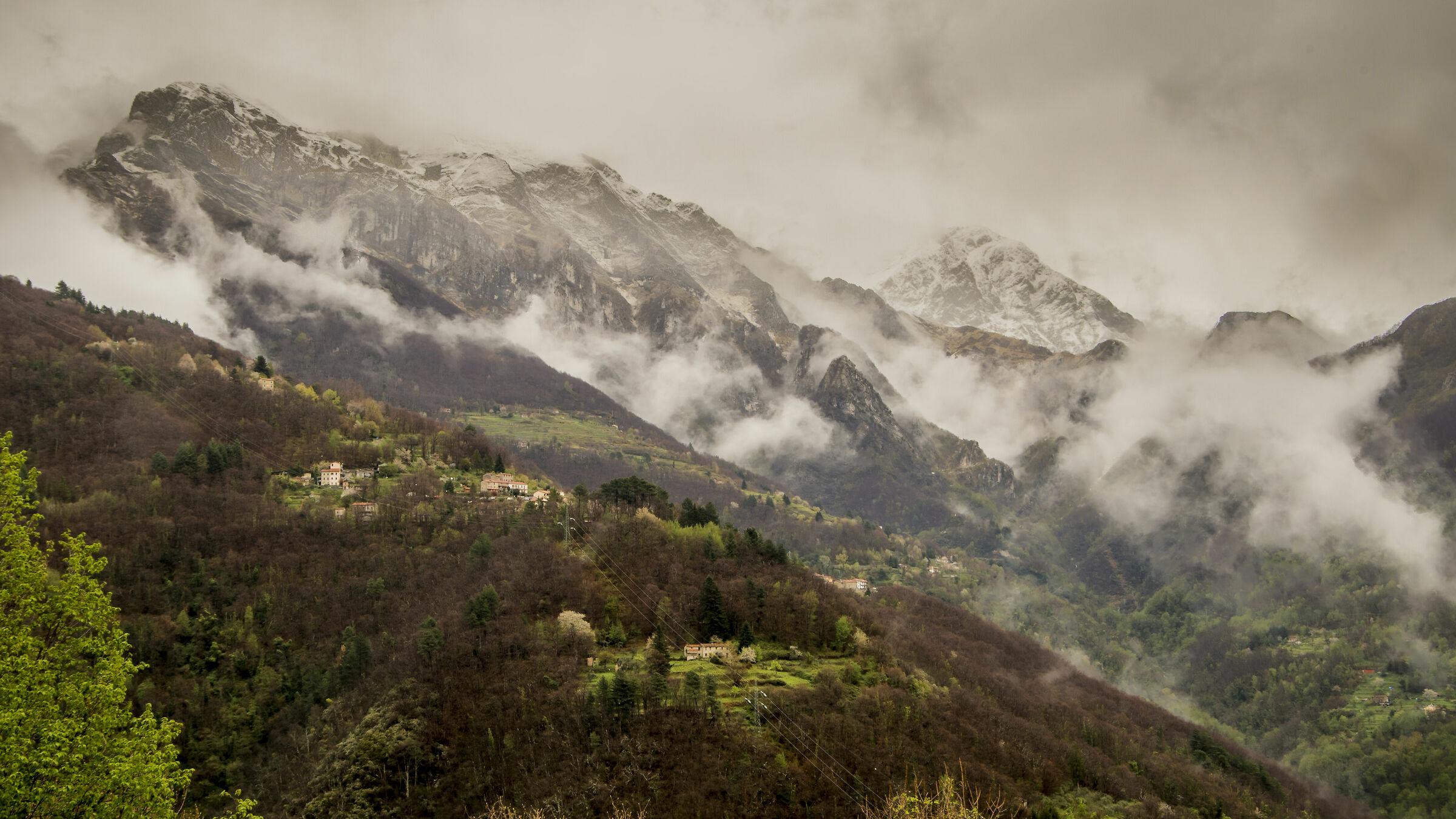 Pania and Corchia Mountains...