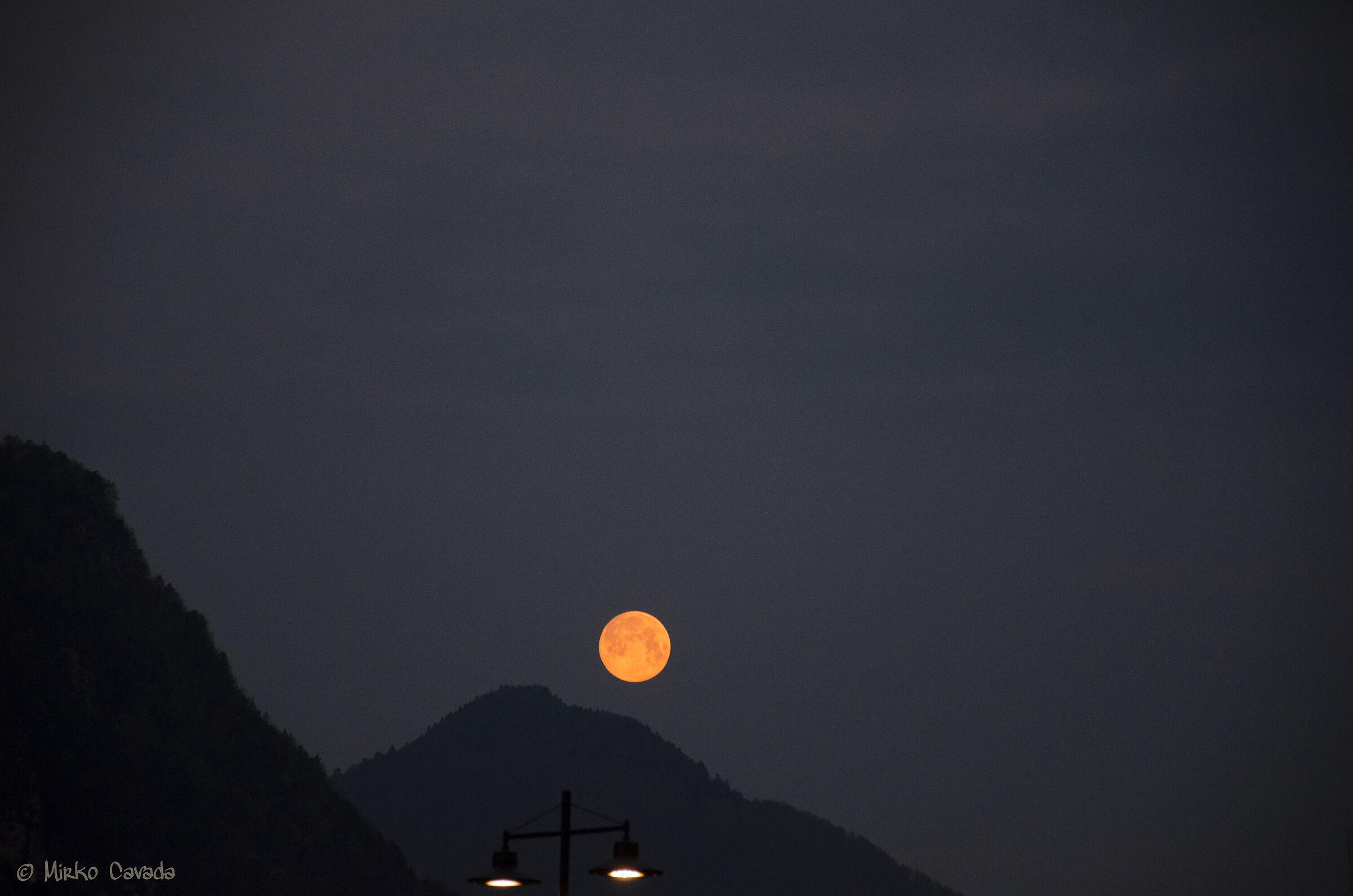 Luna rossa...