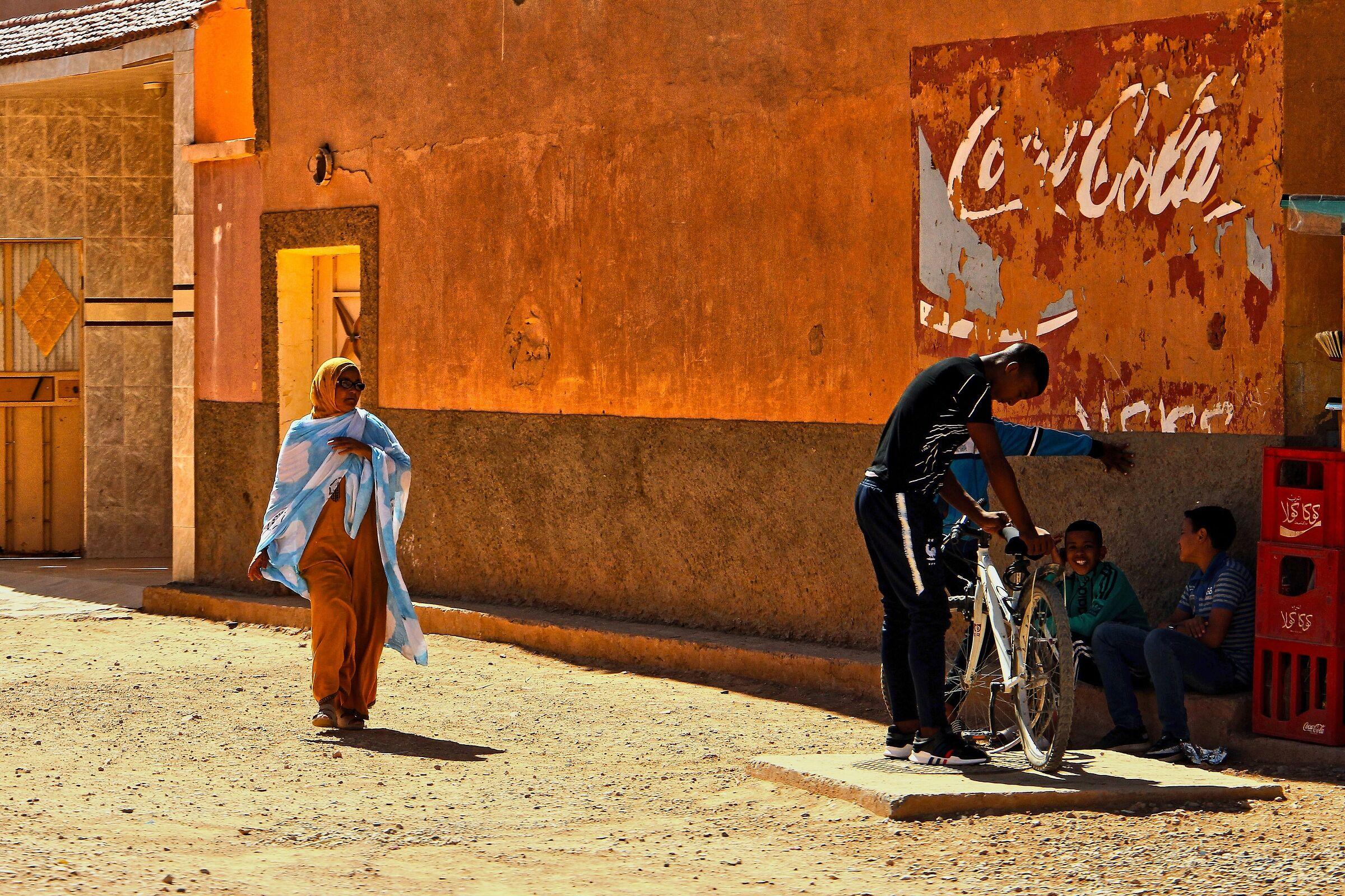 la Coca Cola nel deserto...