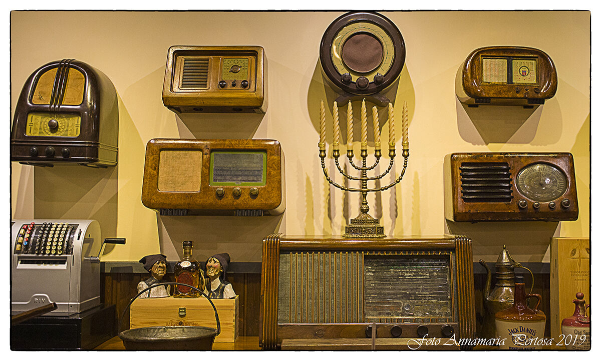 The vintage radios of the old Padua...