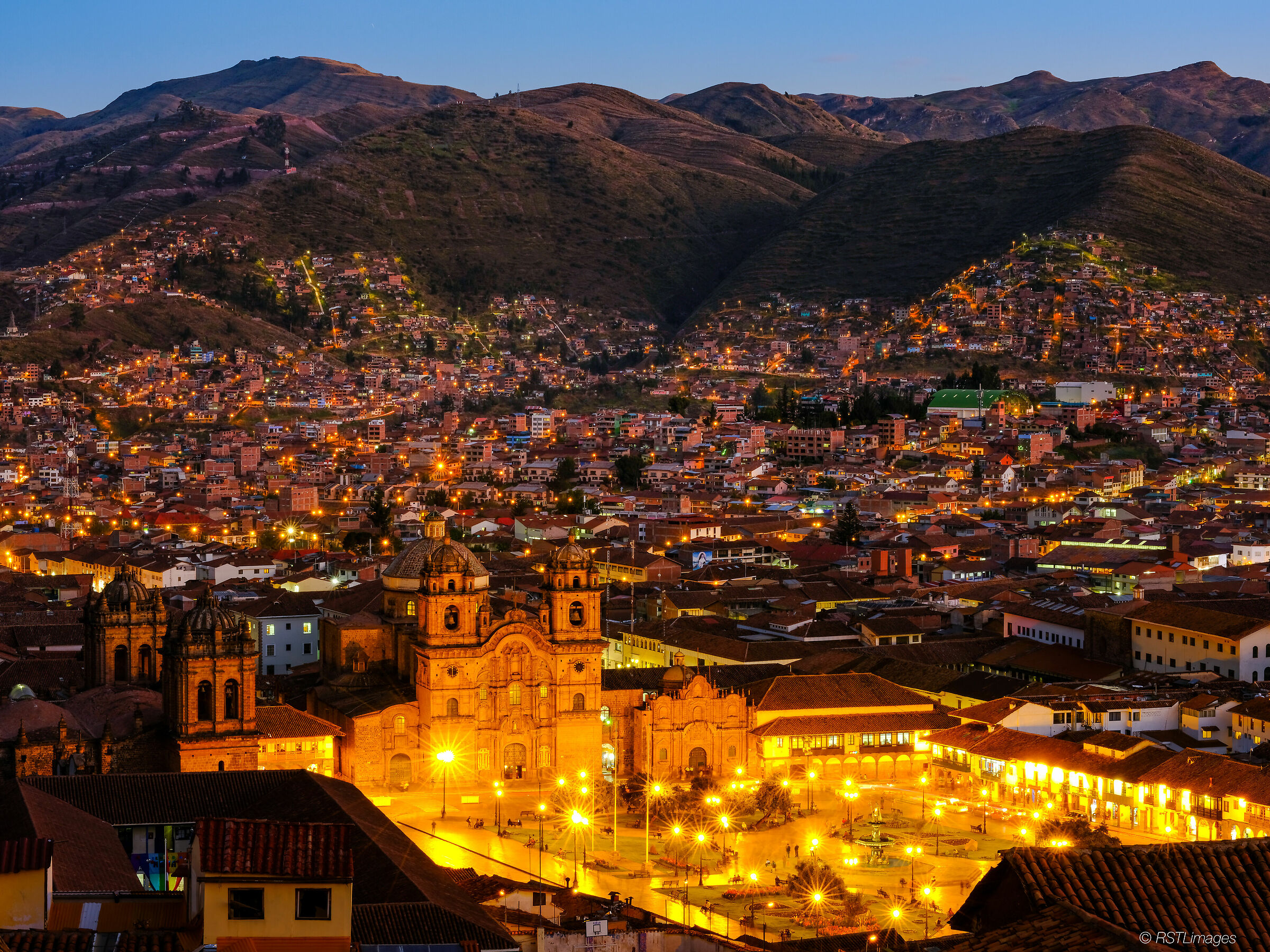 Plaza De Armes - Cuzco...