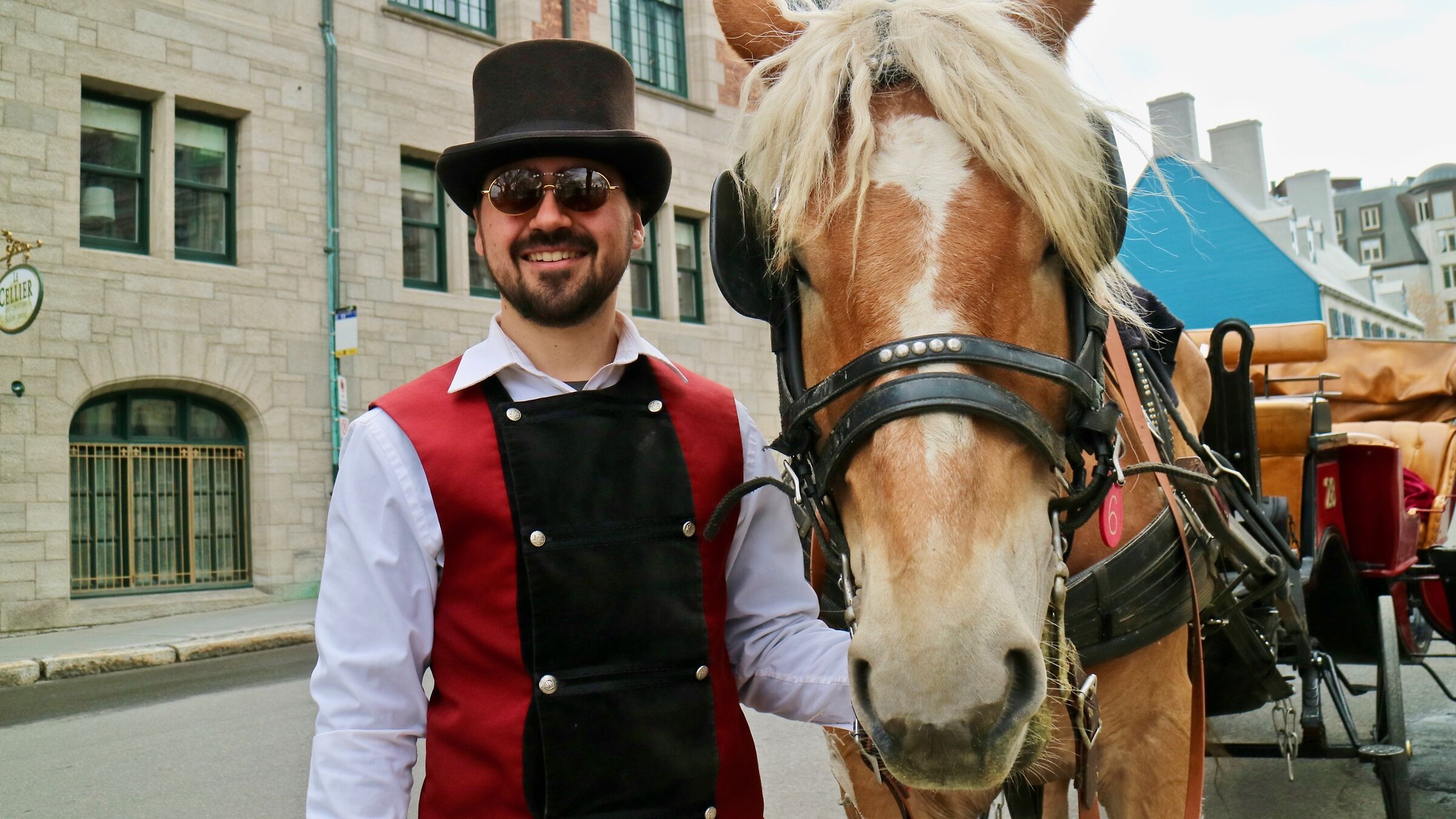 Carriage driver and his horse - Quebec City...