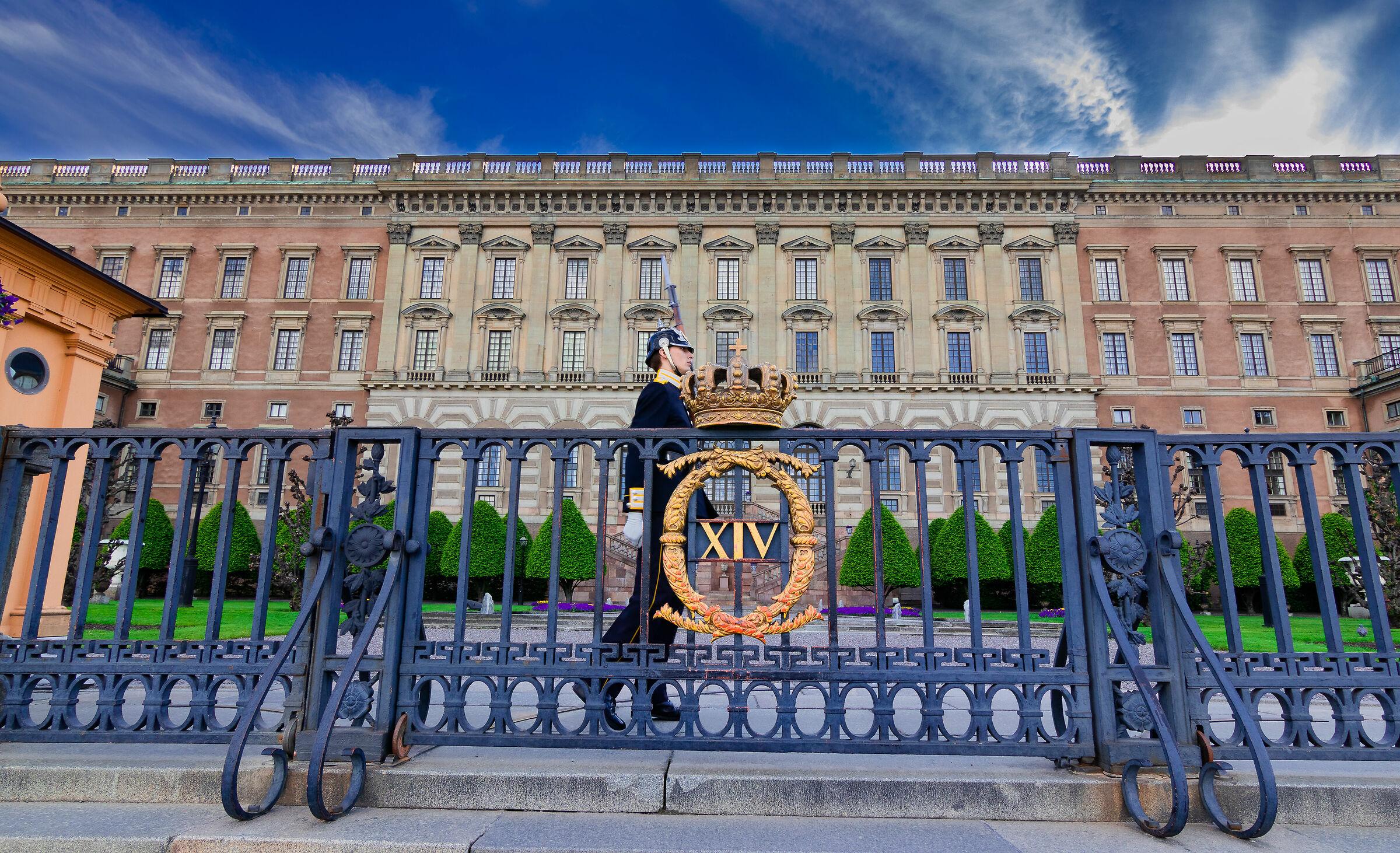 Change of the Guard (Royal Palace)...