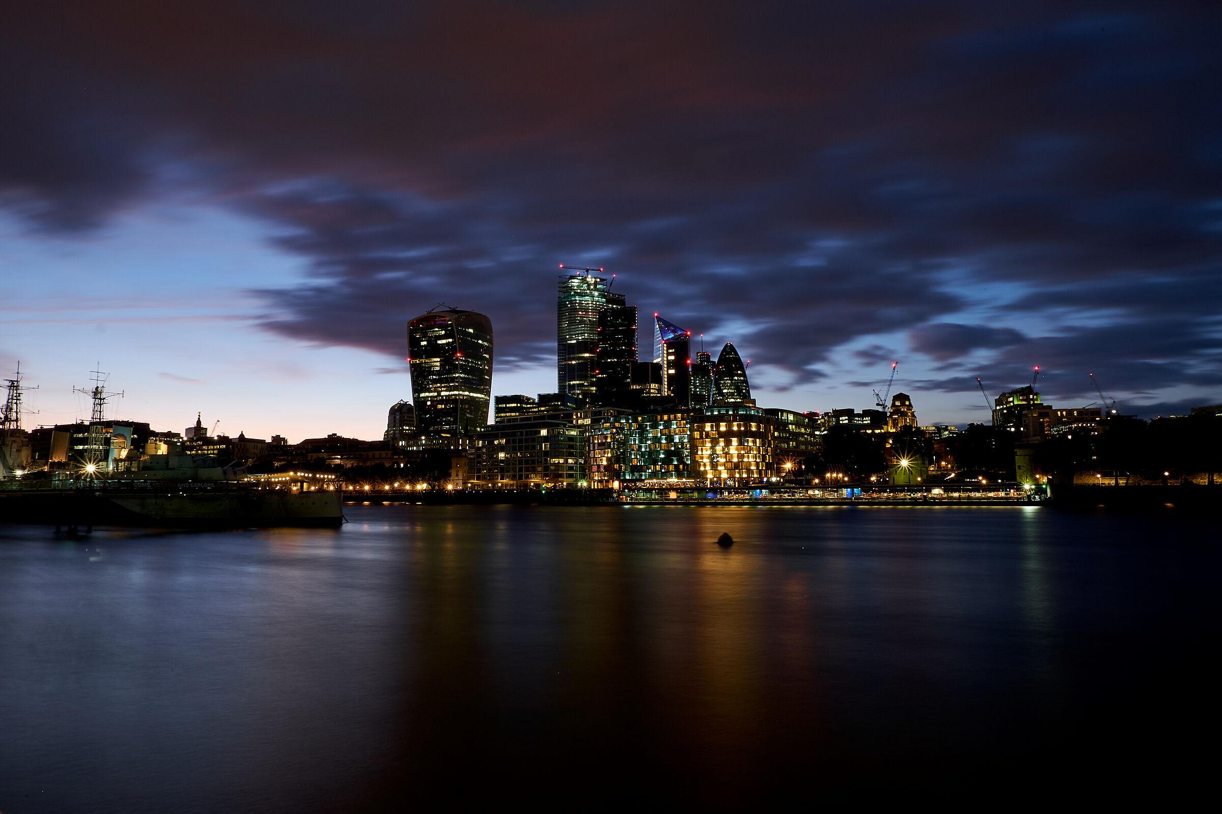 London by night...