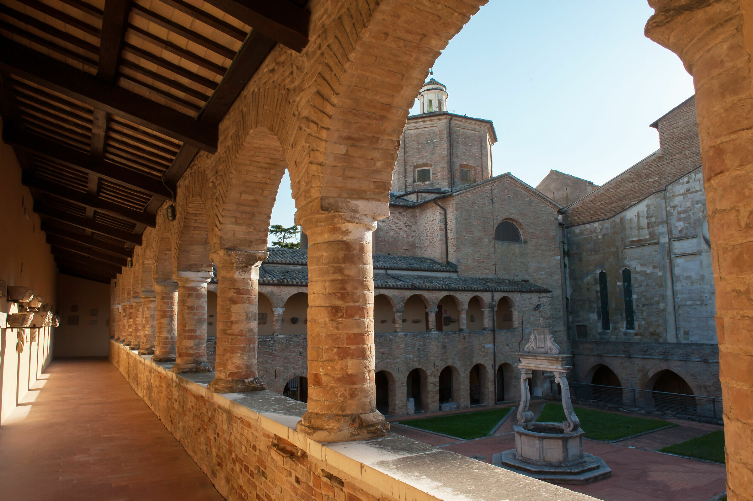 Cloister Cathedral ATRI...