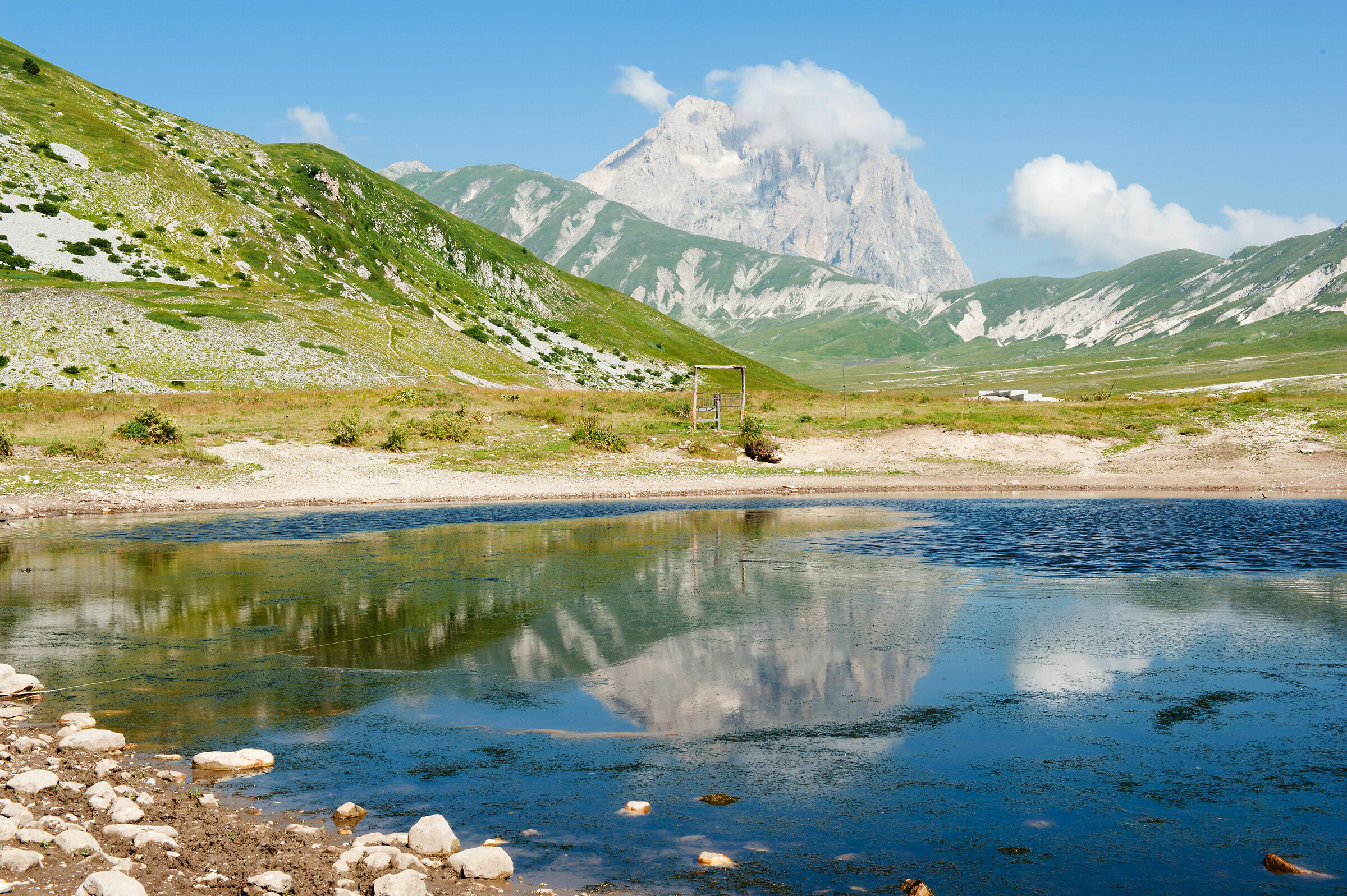 Pietranzoni Pond and Gran Sasso...