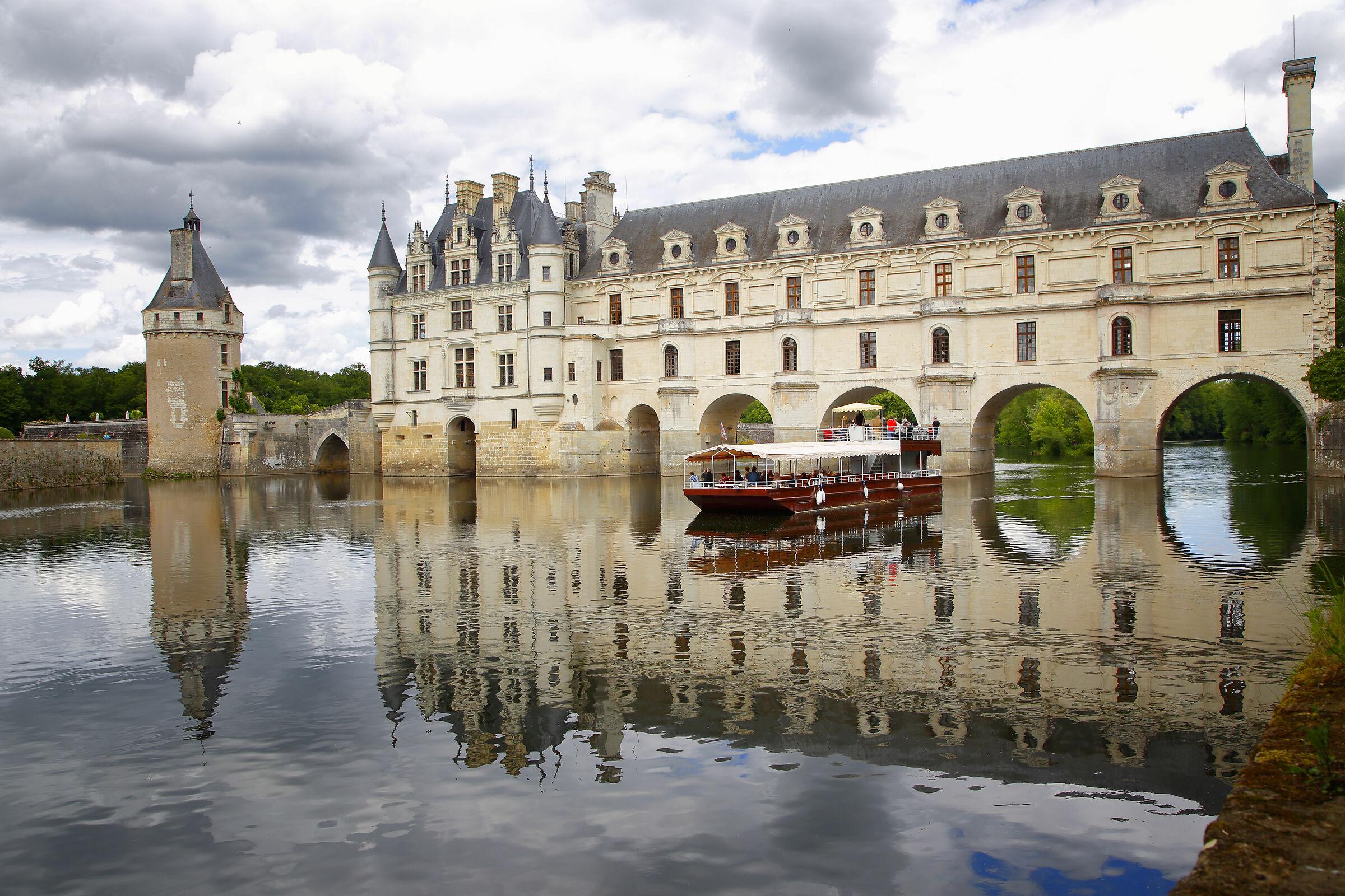 Castle of Chenonceau Loire Valley ...