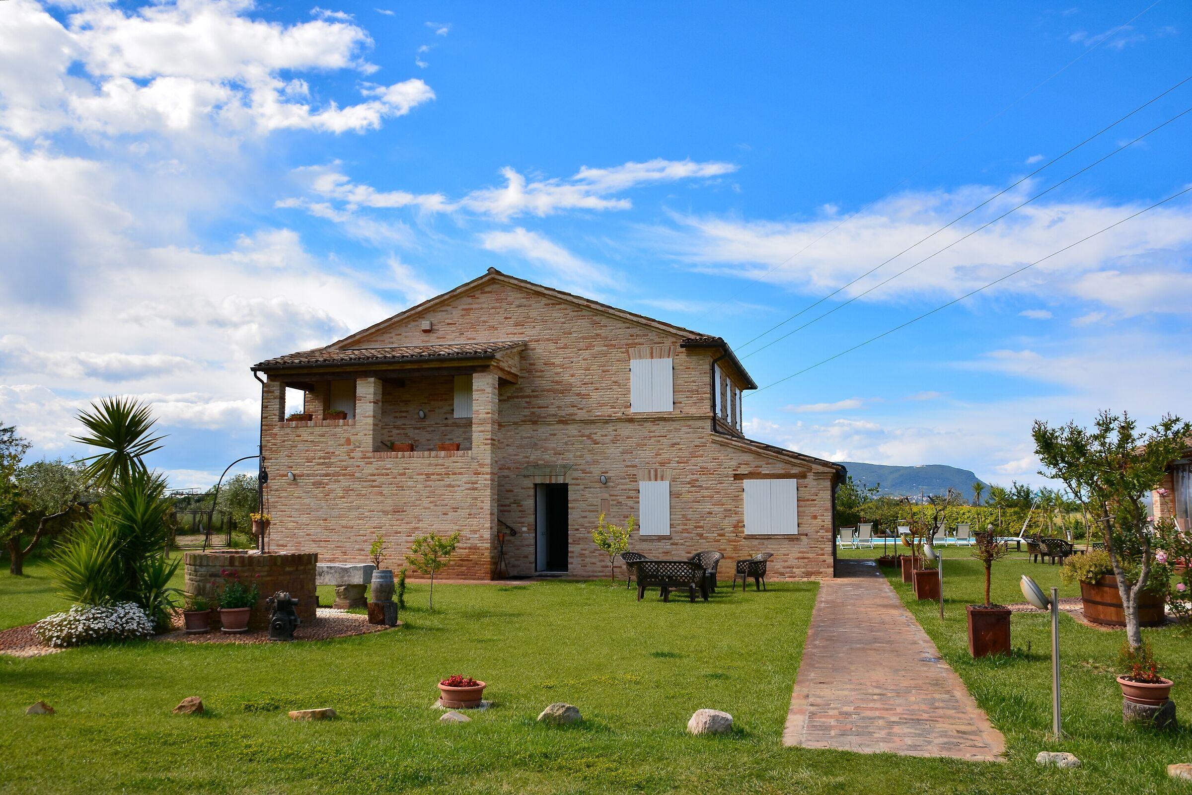 Farmhouse near Porto Recanati (Macerata)...