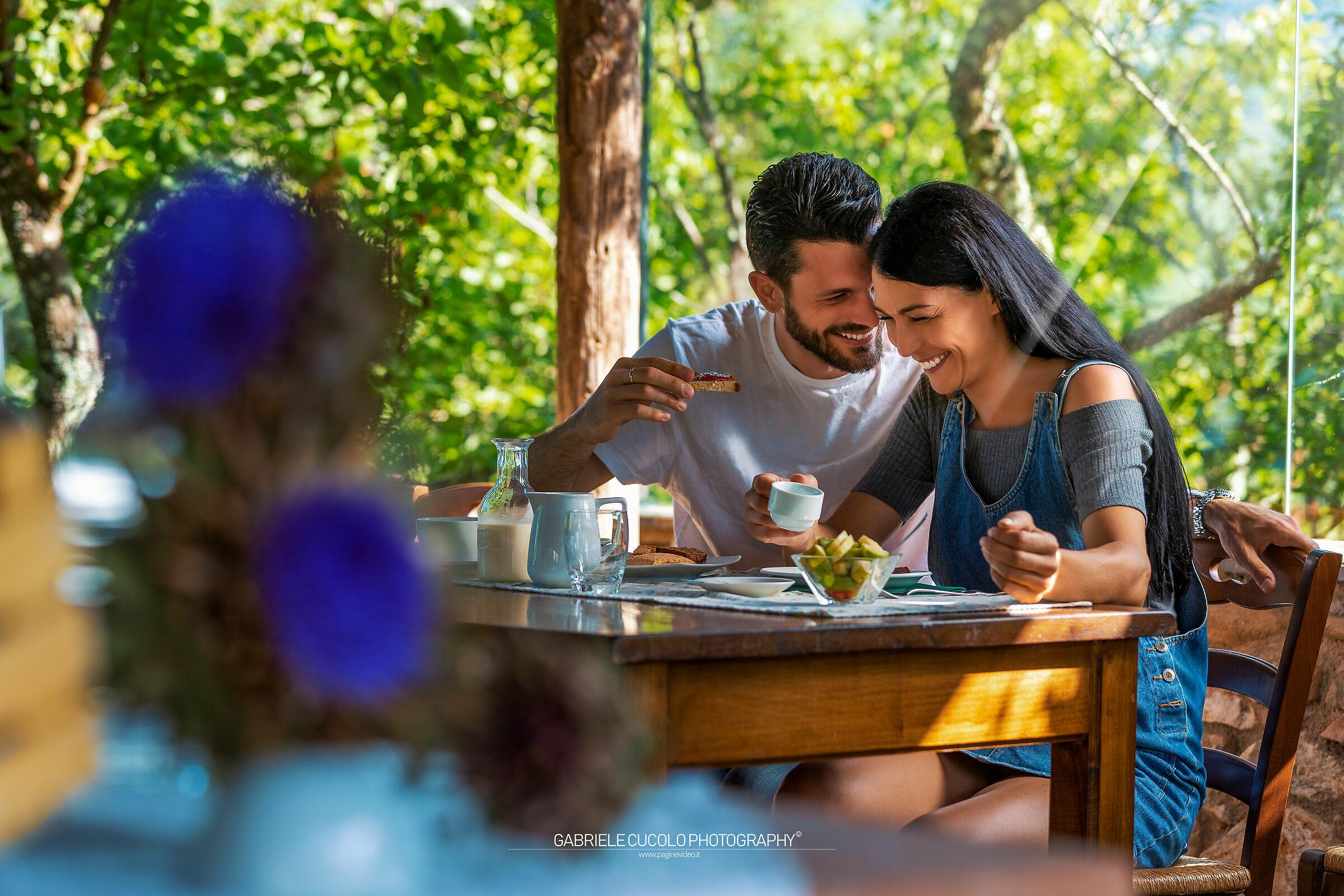 Breakfast in the hut......