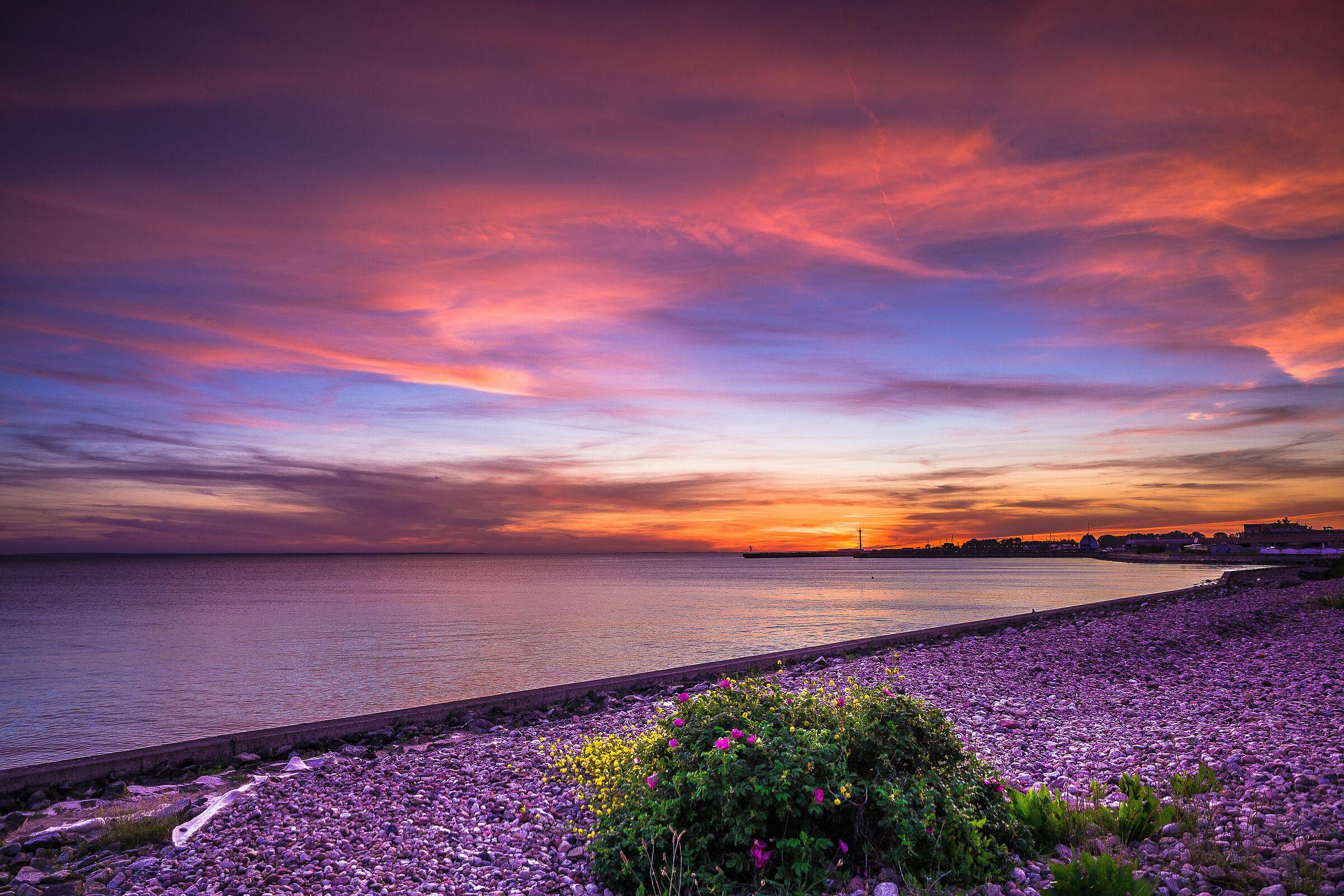 Sunset - Hel...