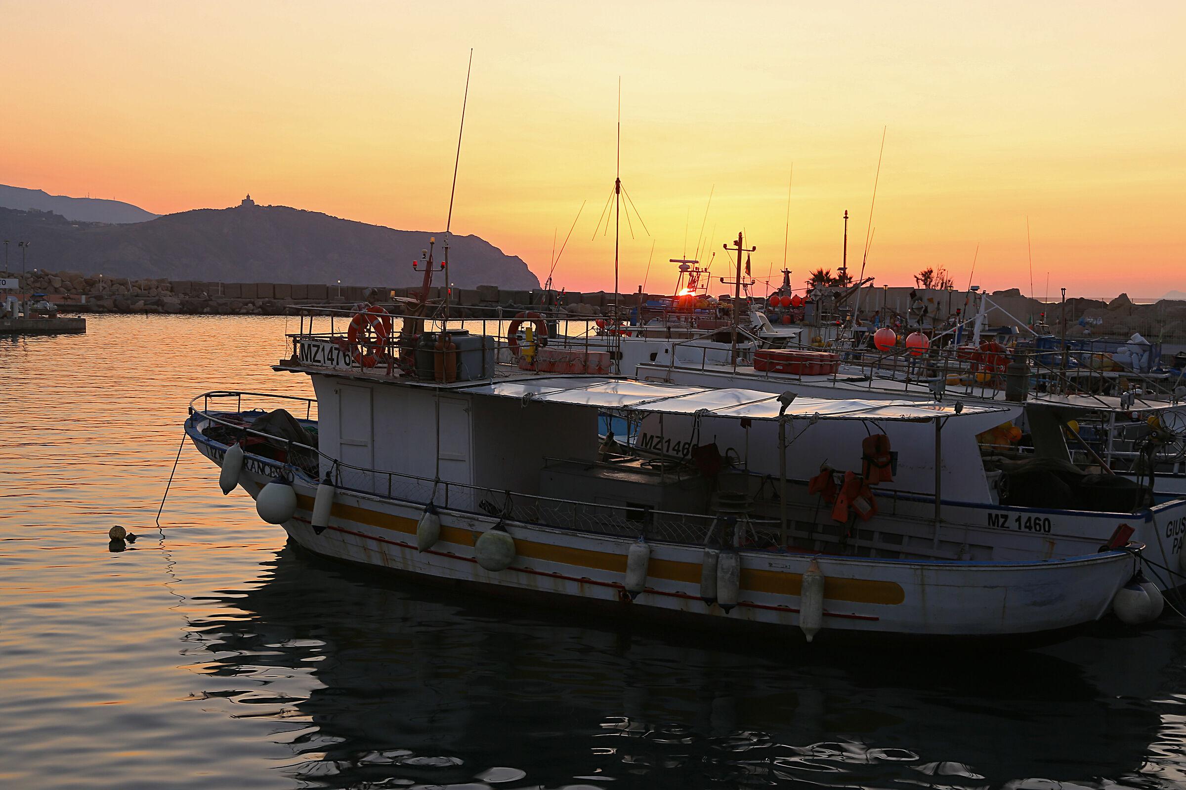 Sunset in port ...