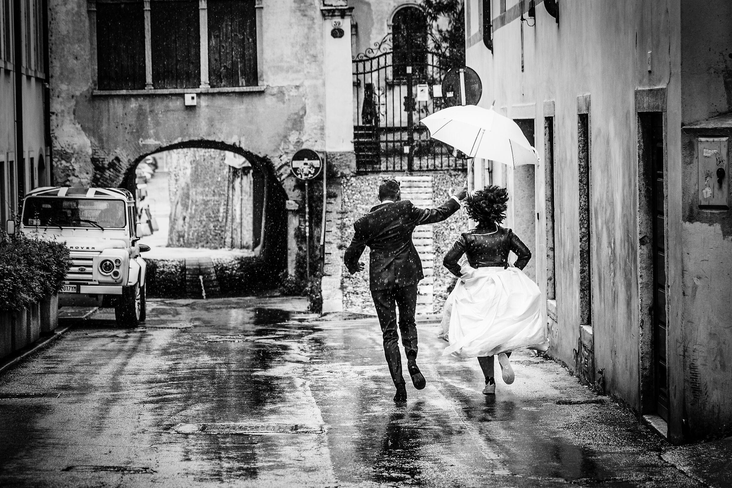 Newlyweds on the run...