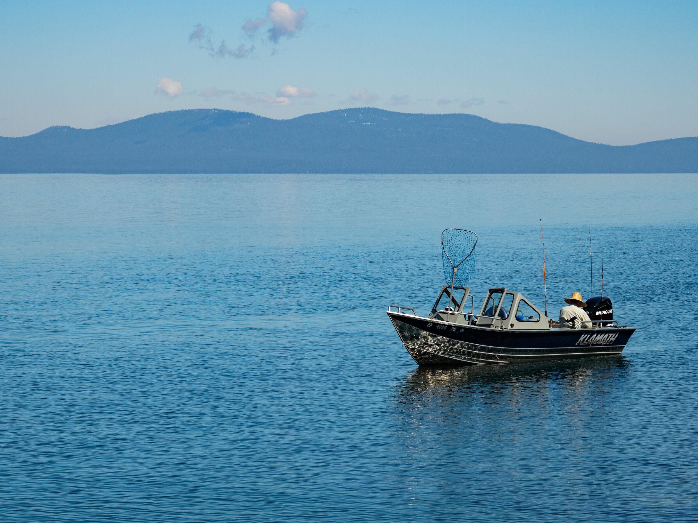 Pescatore nel lago Tahoe...