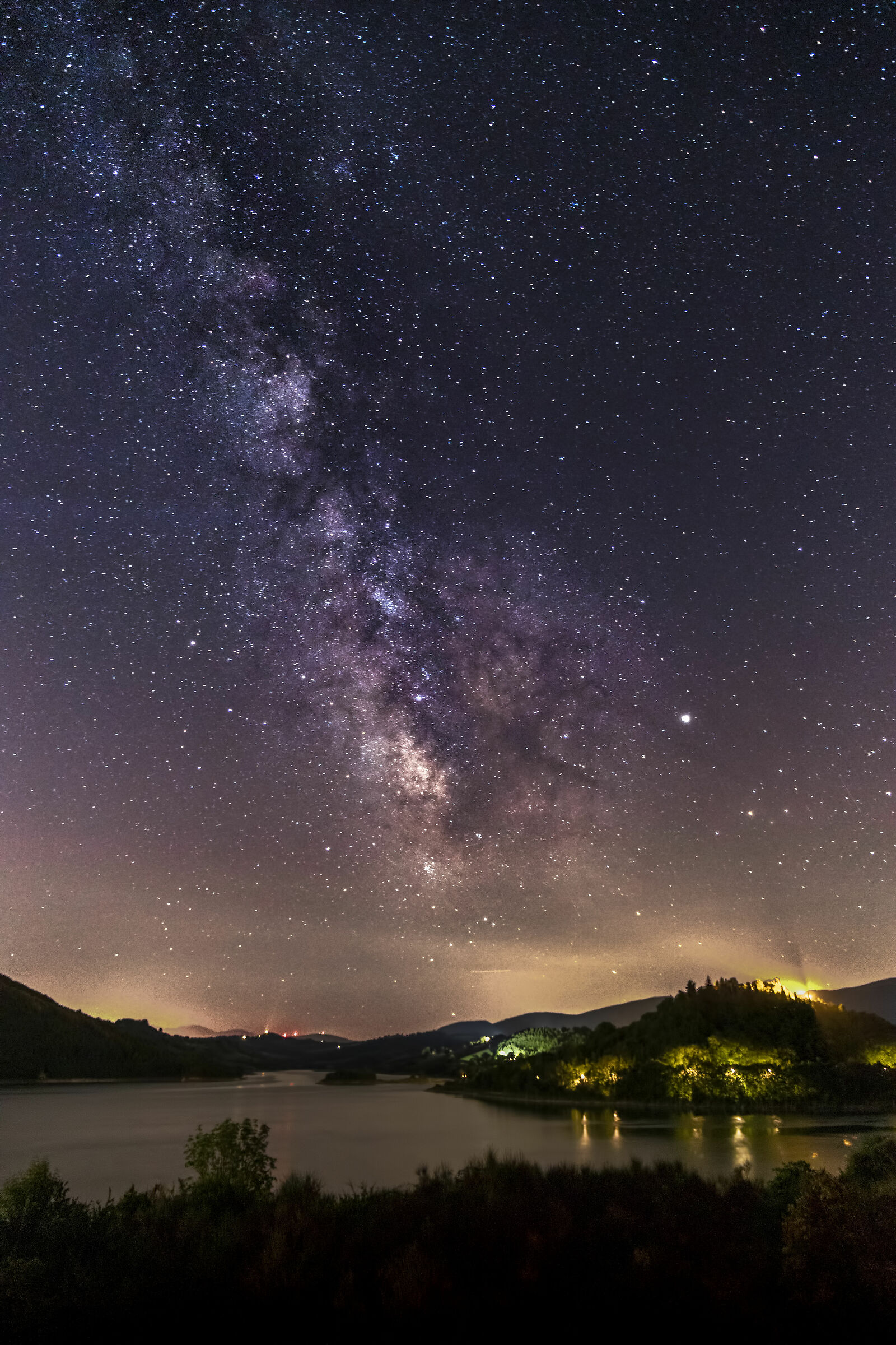 Milky Way to Lake Castreccioni - Tracks...