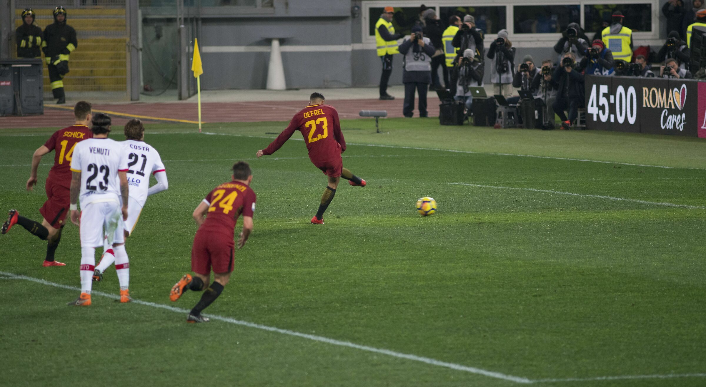 What a dish! (Defrel scoring penalty in Roma-Benevento)...