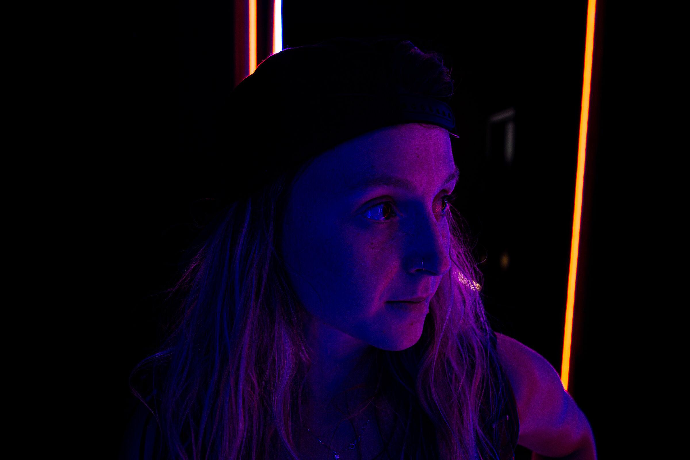 Neon 24h...