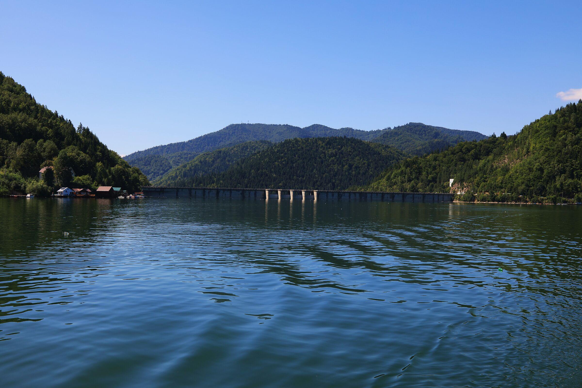 Lacul Izvorul Muntelui Bicaz Romania 2...