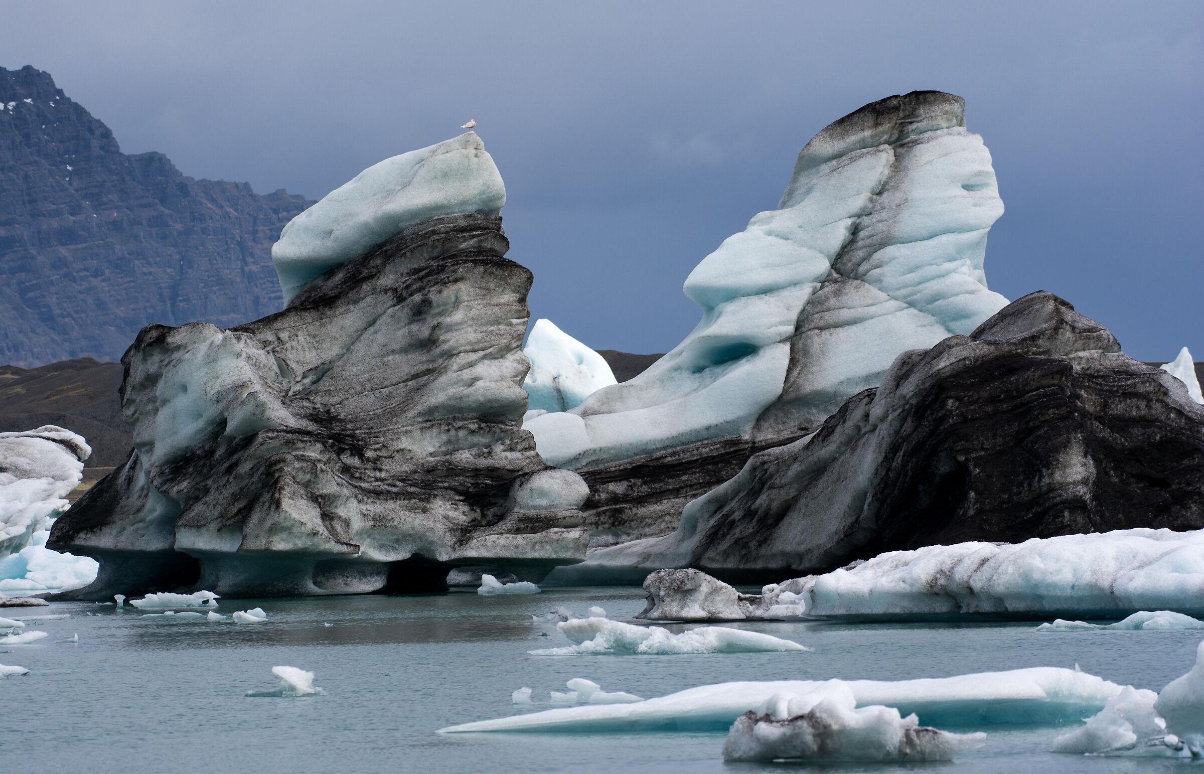 Icebergs on J'kuls-lon...