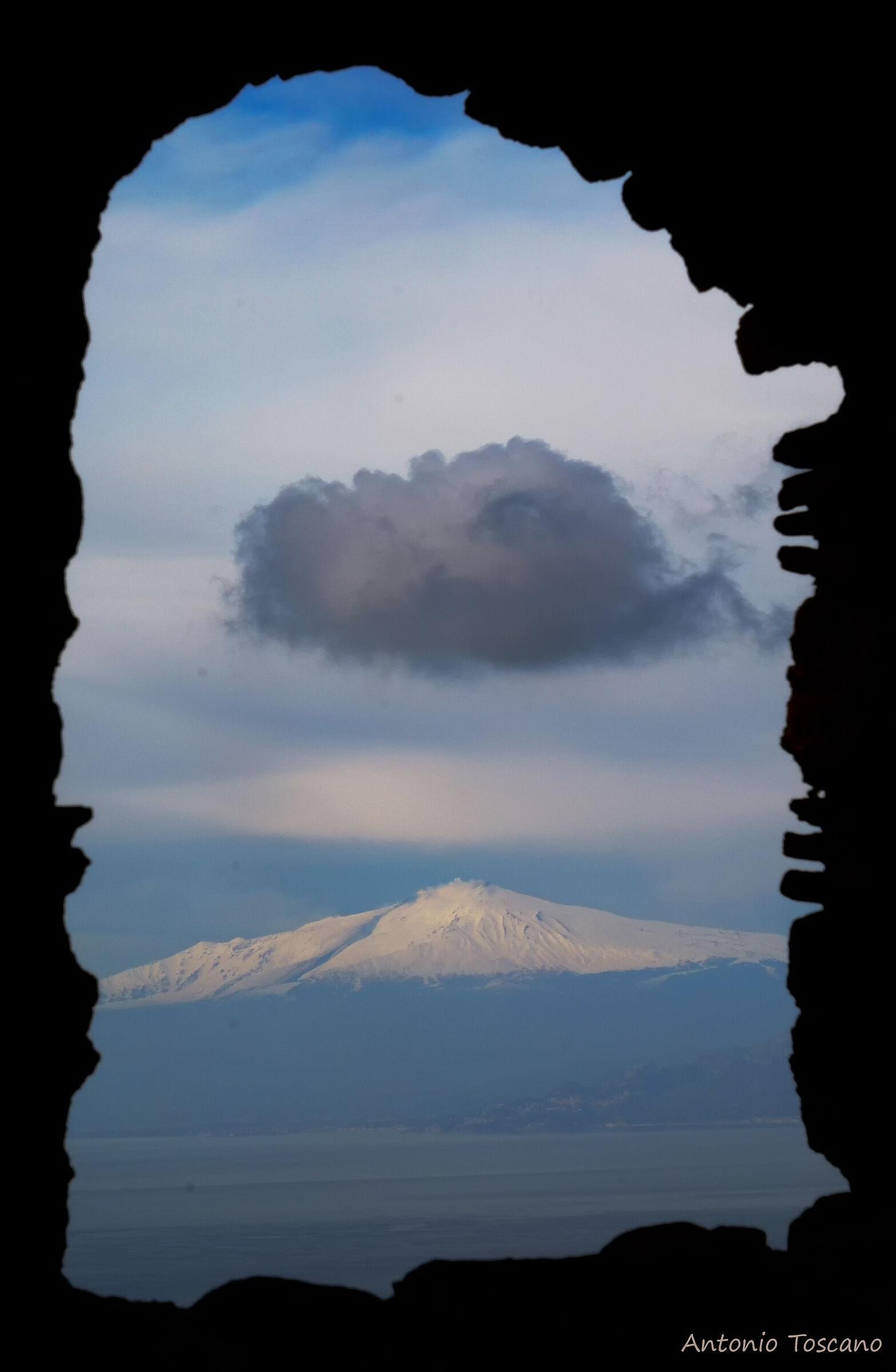 Finestra con vista sull' Etna...