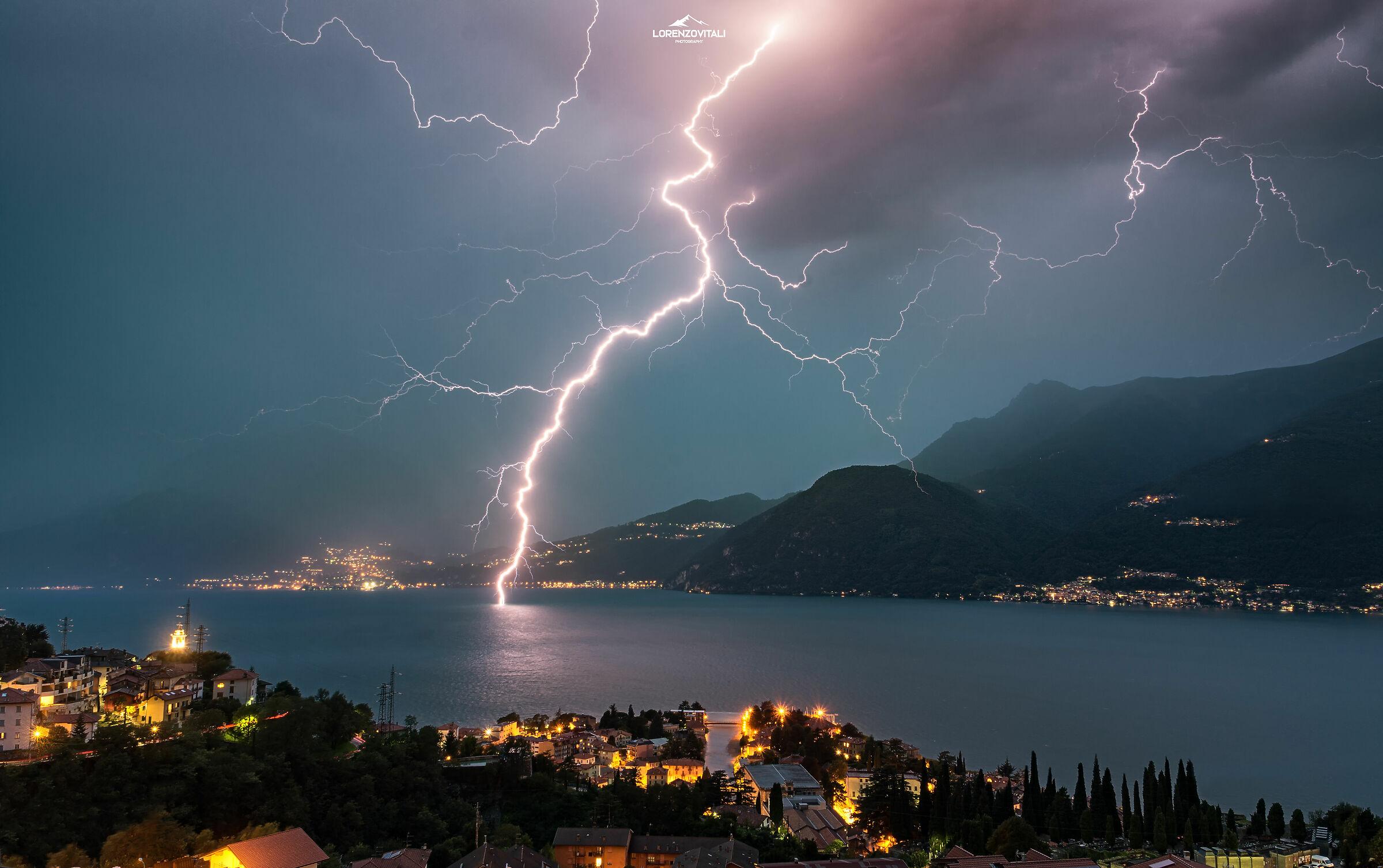 Lightning and lightning bolts...