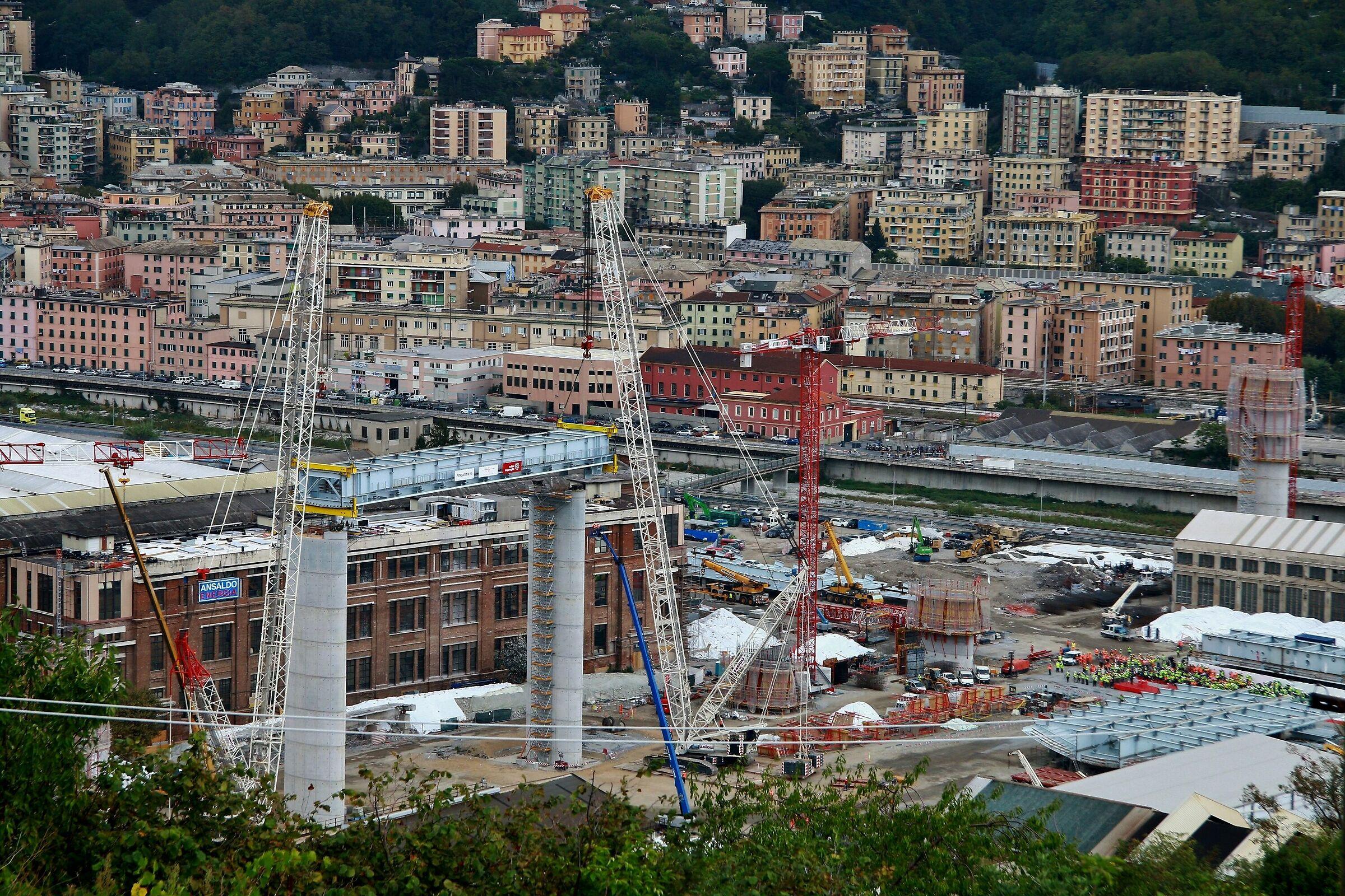 Genoa-reconstruction bridge...