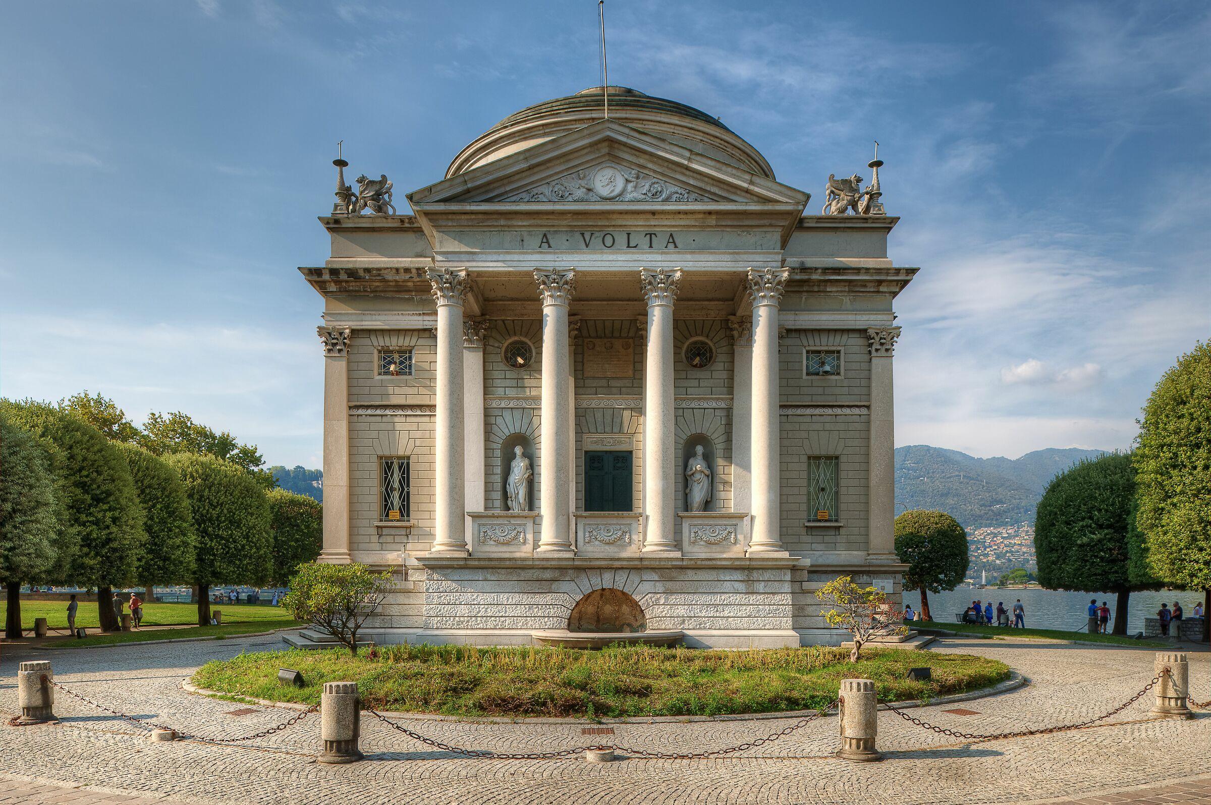 Tempio Voltiano; Como, Italy...