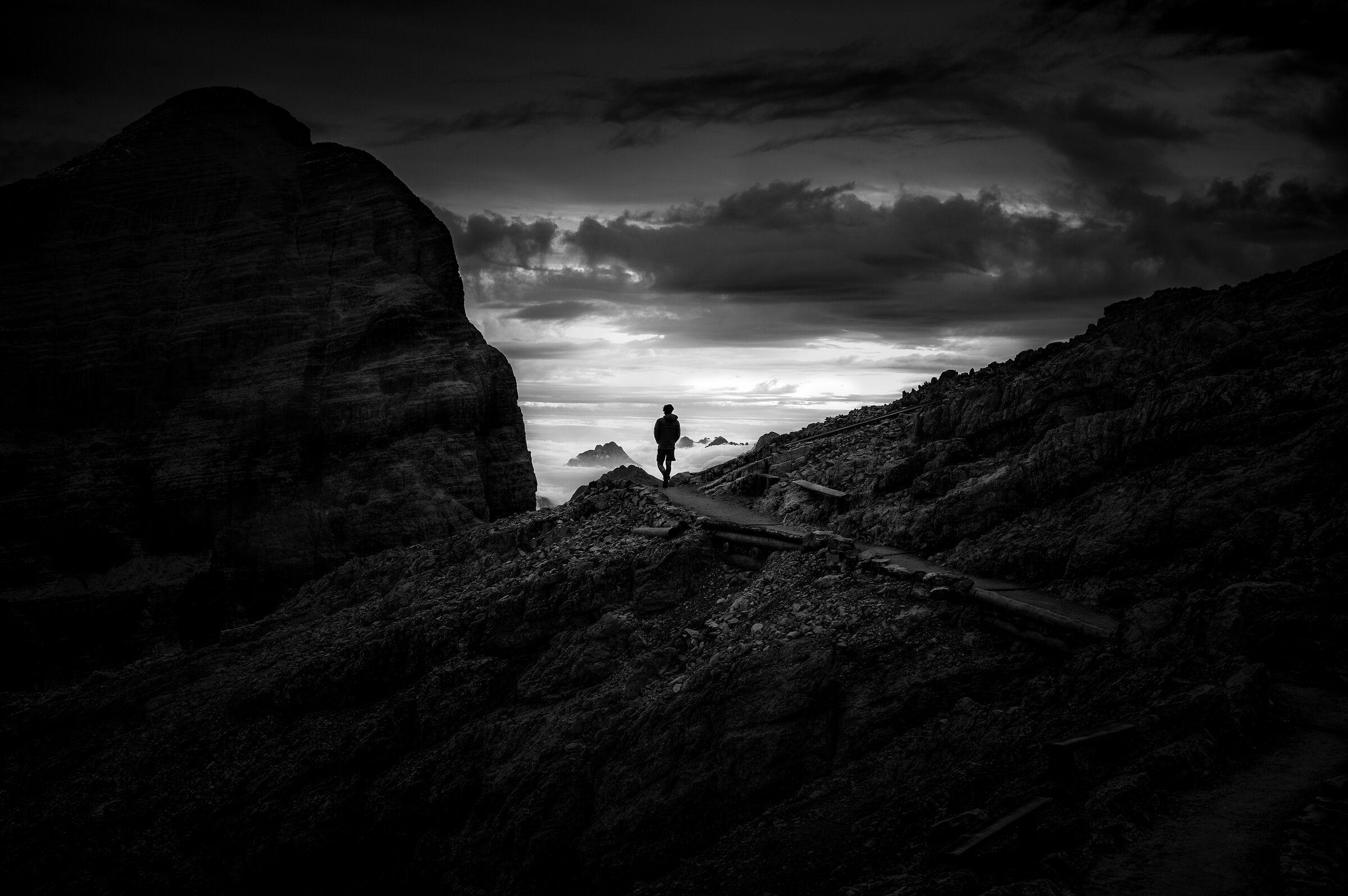 L'escursionista su di un mare di nebbia...