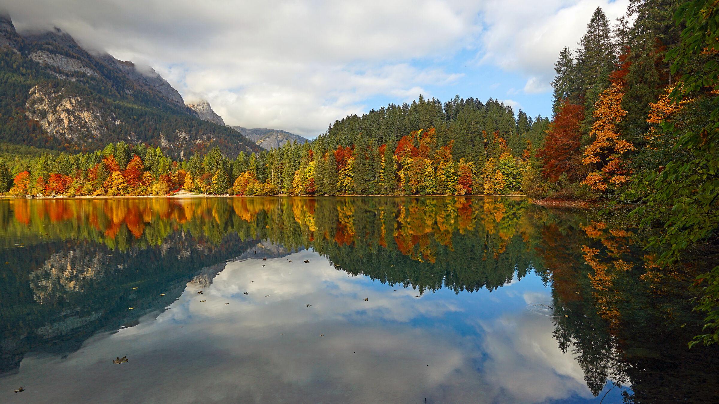 Lago di Tovel (Trentino)...