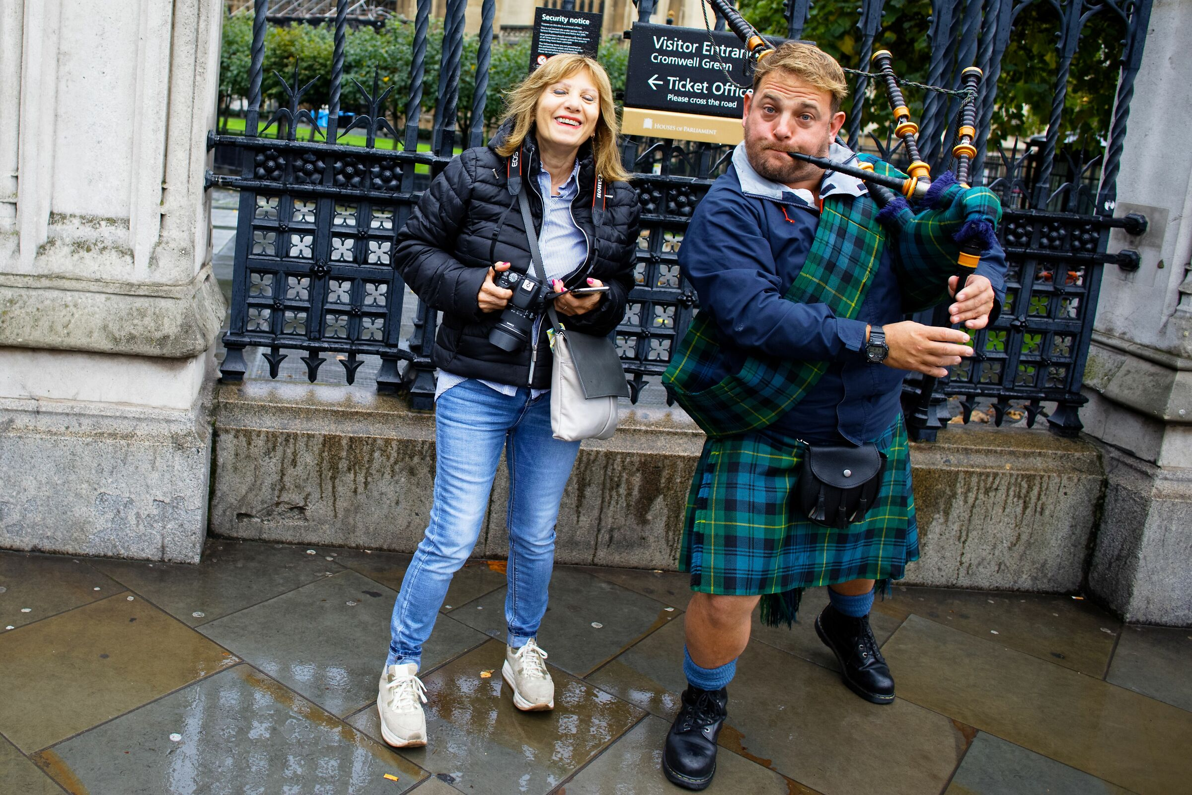 The discreet charm of the... Bagpipes...