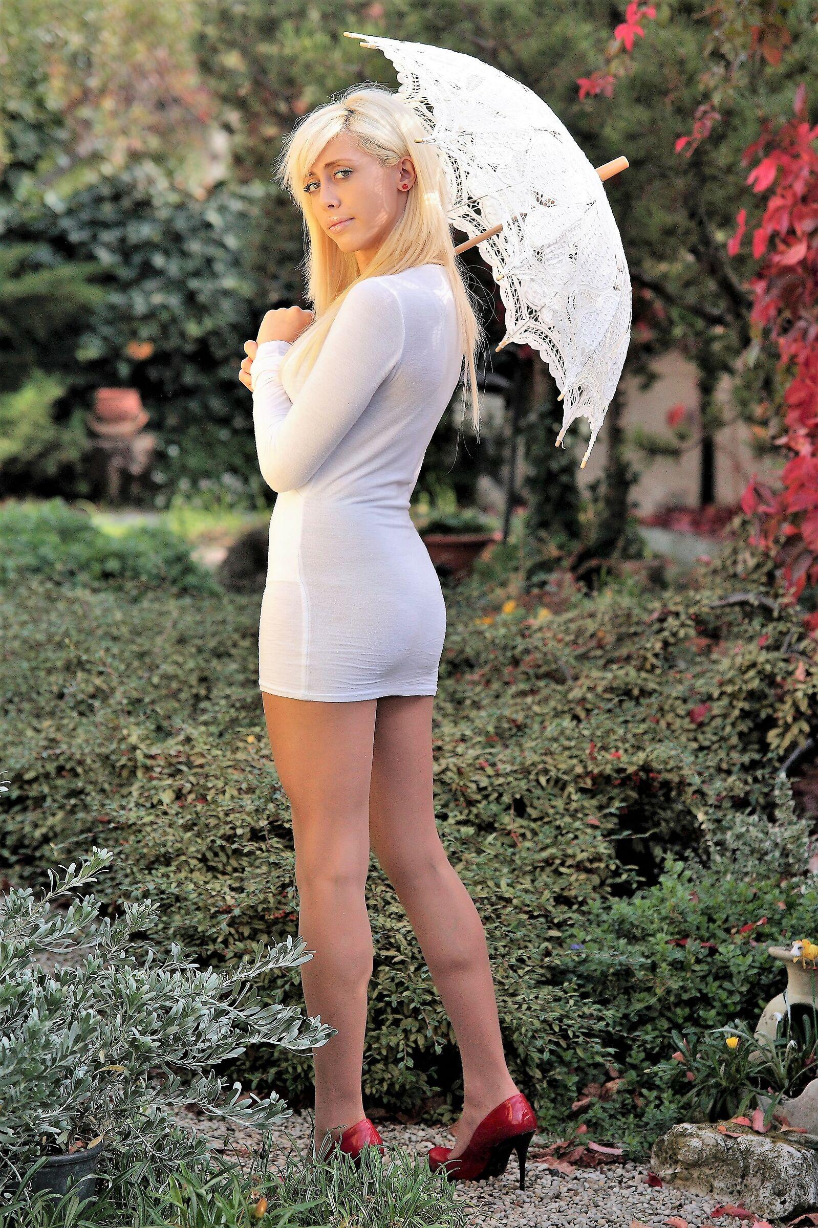 A Fairy, in my little garden!...