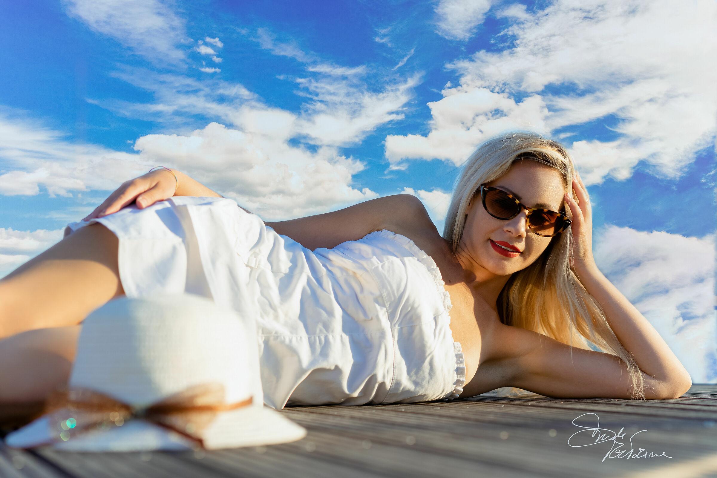Selene blonde 03...