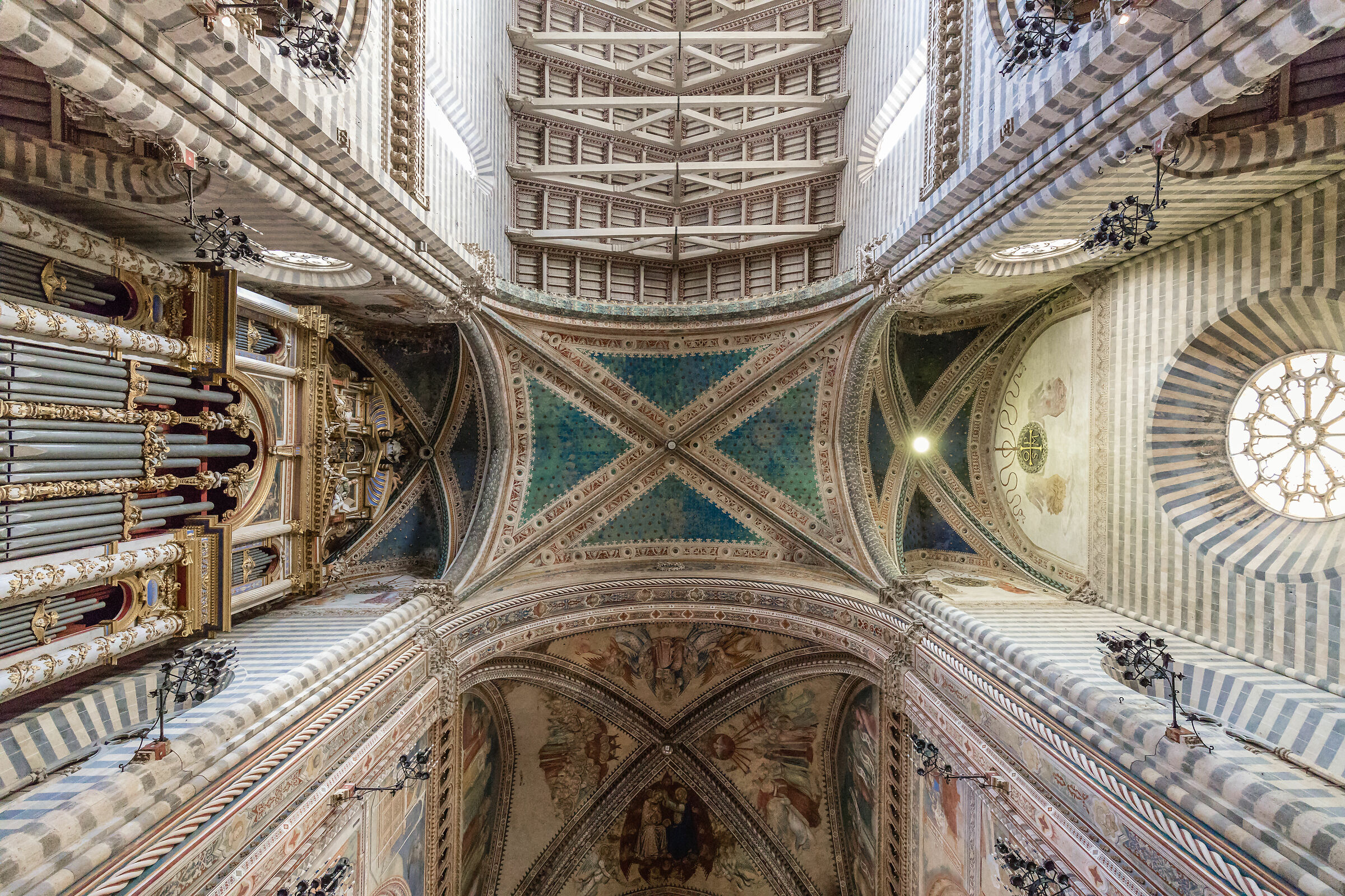 Orvieto Cathedral - Interior...