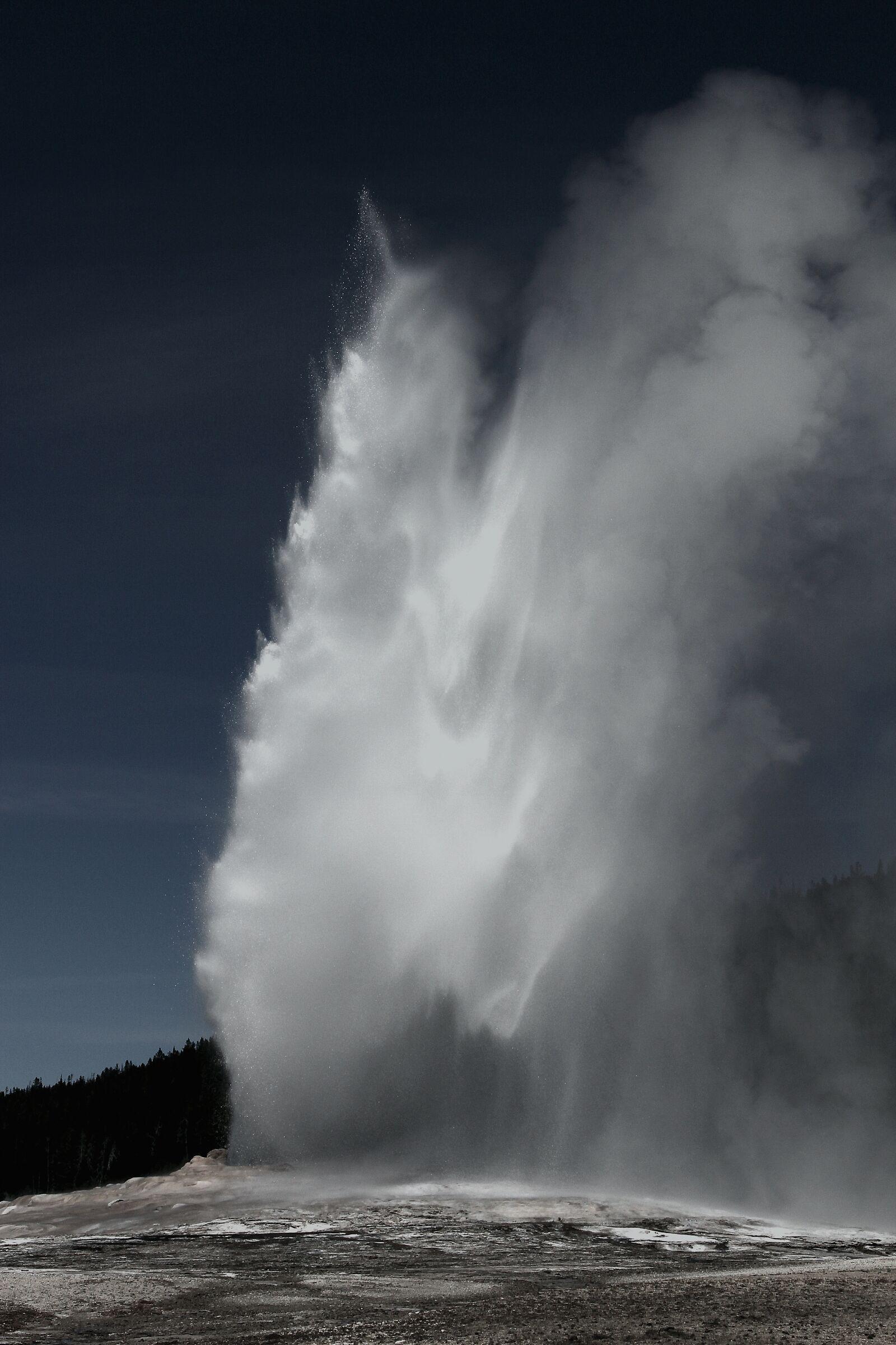 Vecchio geyser fedele...