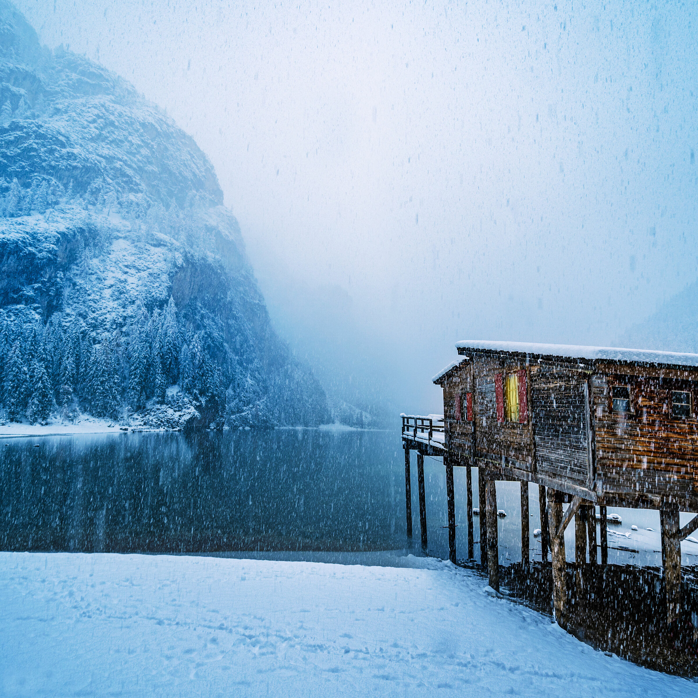 lake of bries with snow...