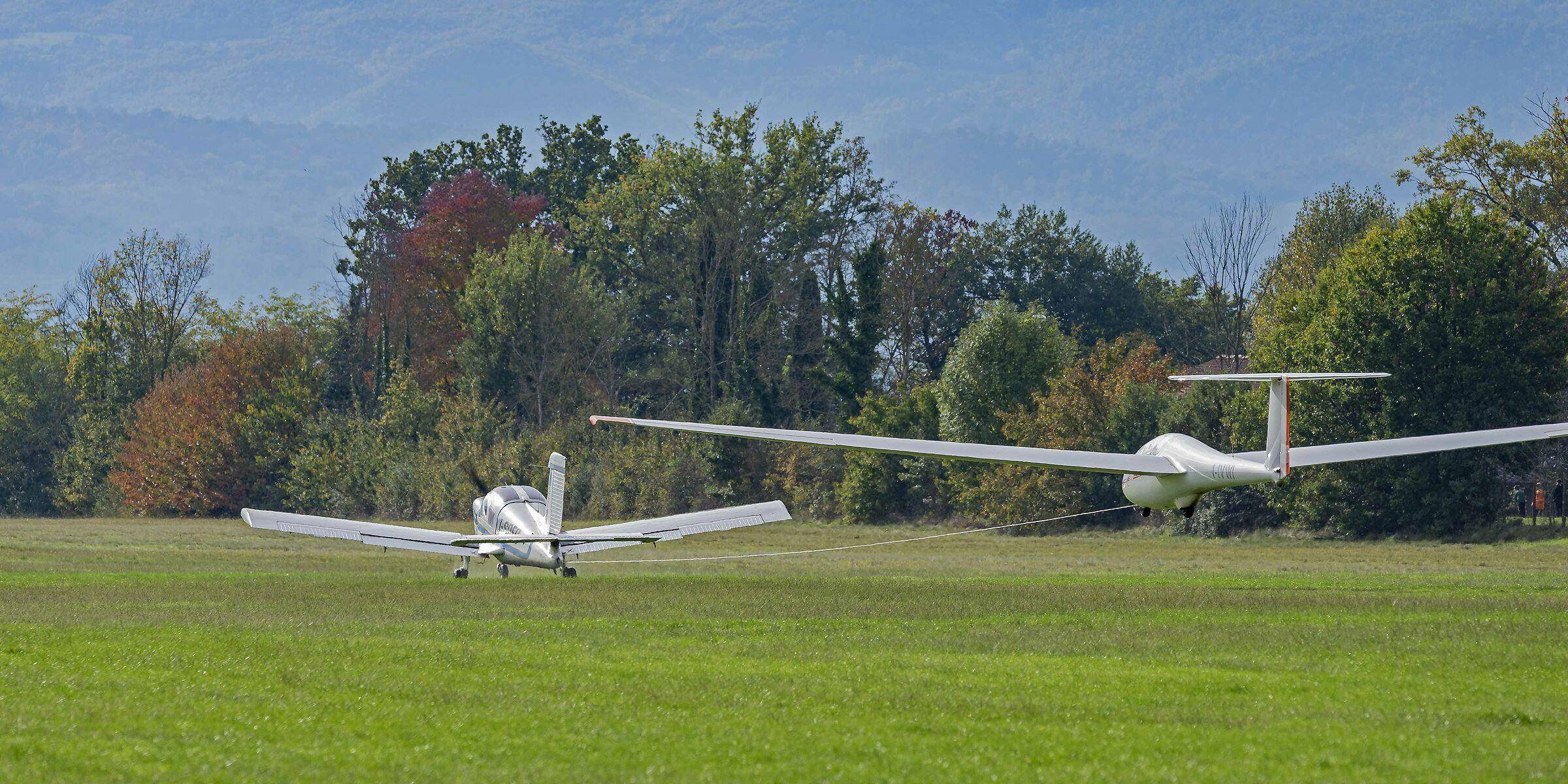 Glider train on take-off...