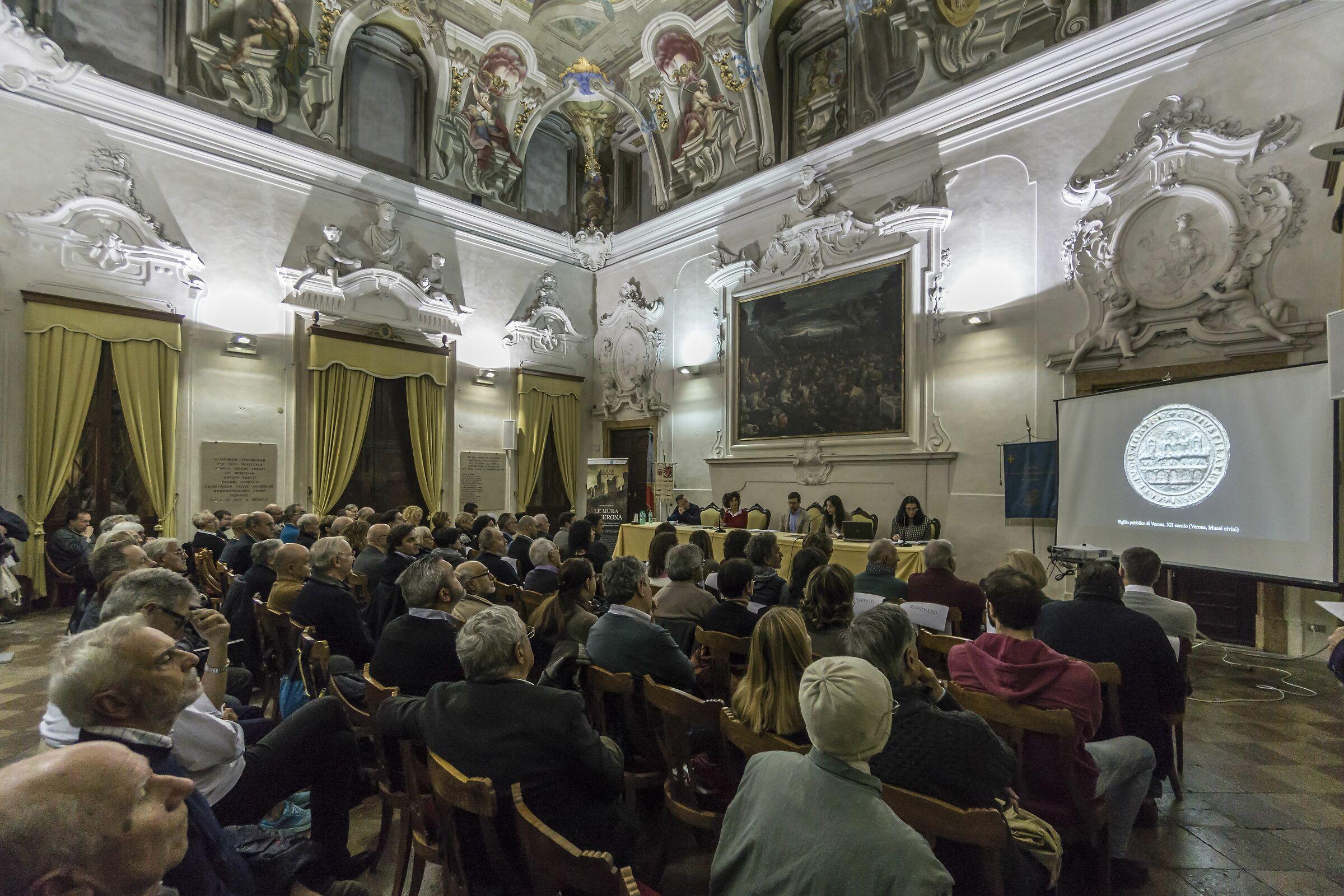 Verona - Palazzo Erbisti - Hall of Academics...