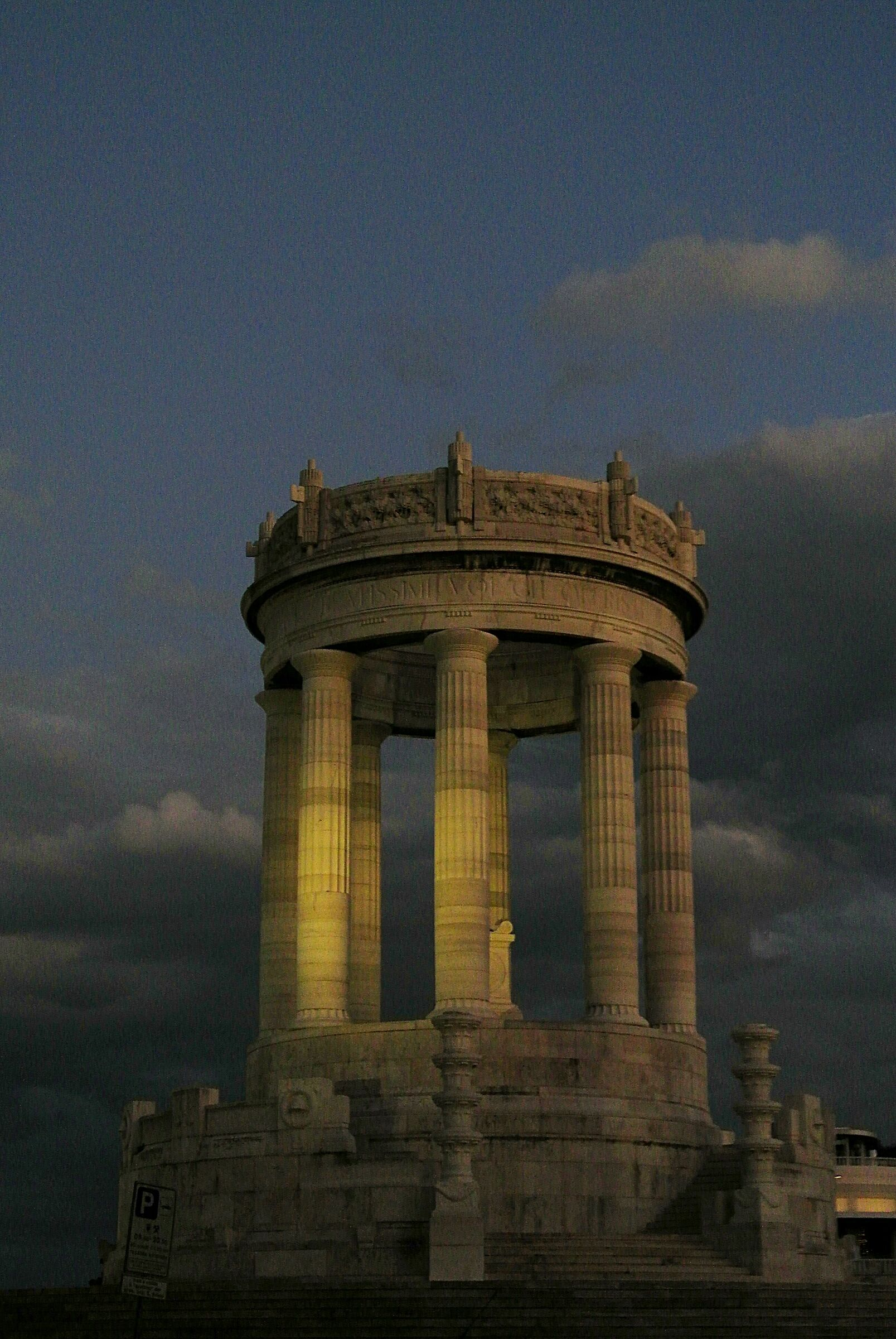 AN_monumento_02...