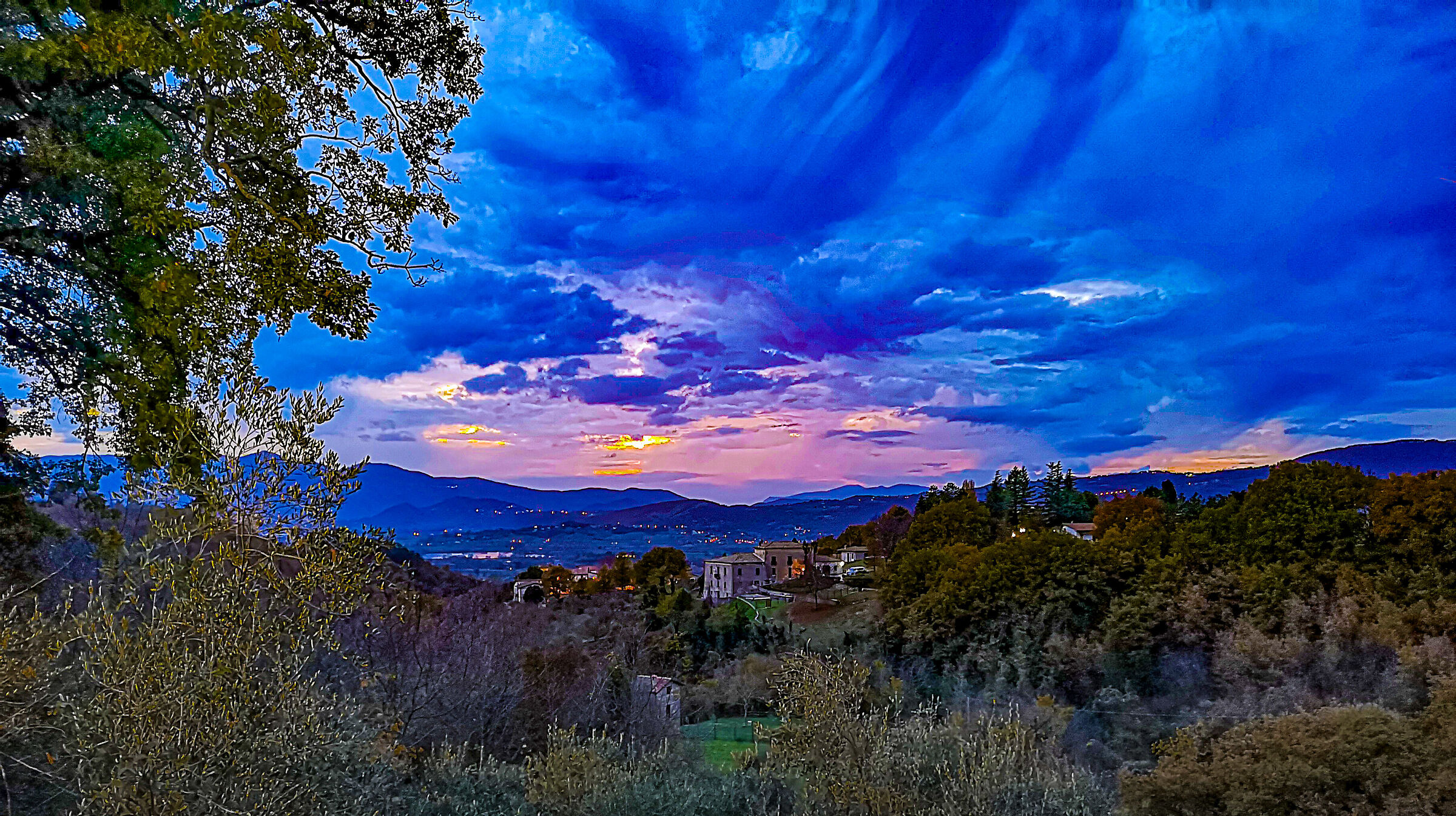 Blue sunset at Cantalice...