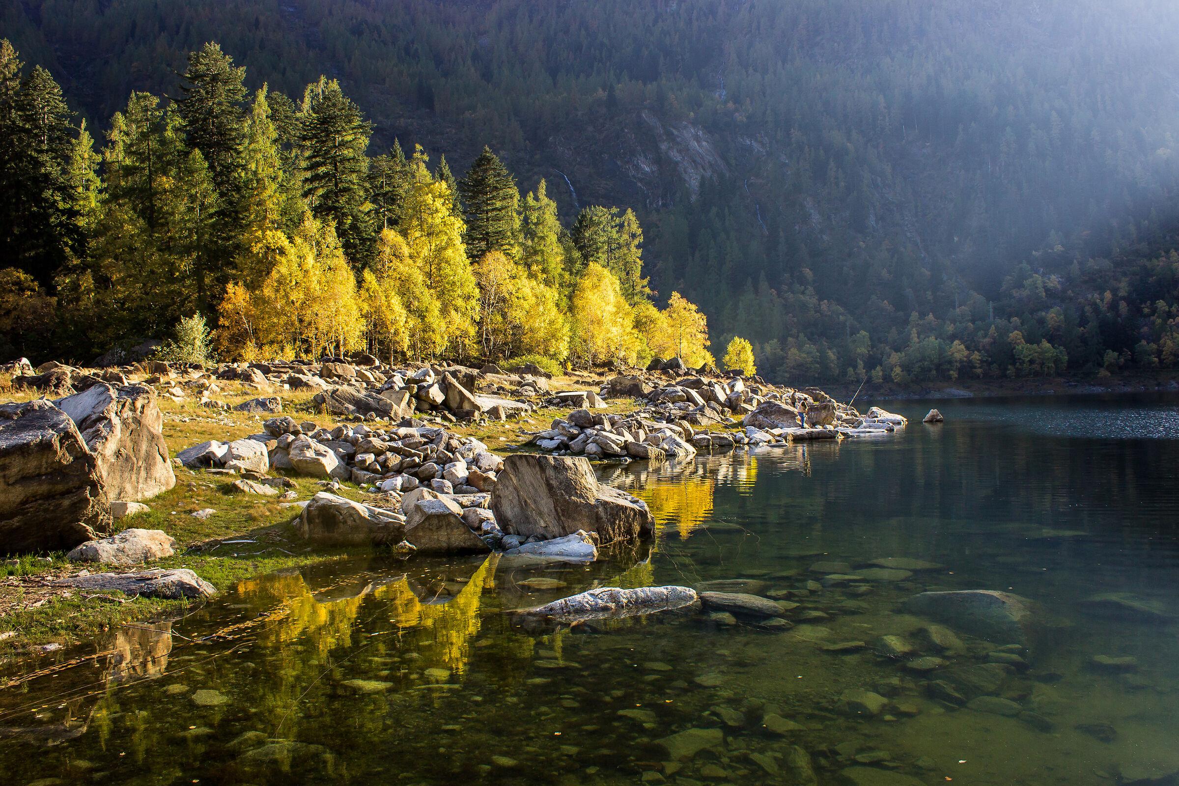 Last autumn sunbeam (new version)...