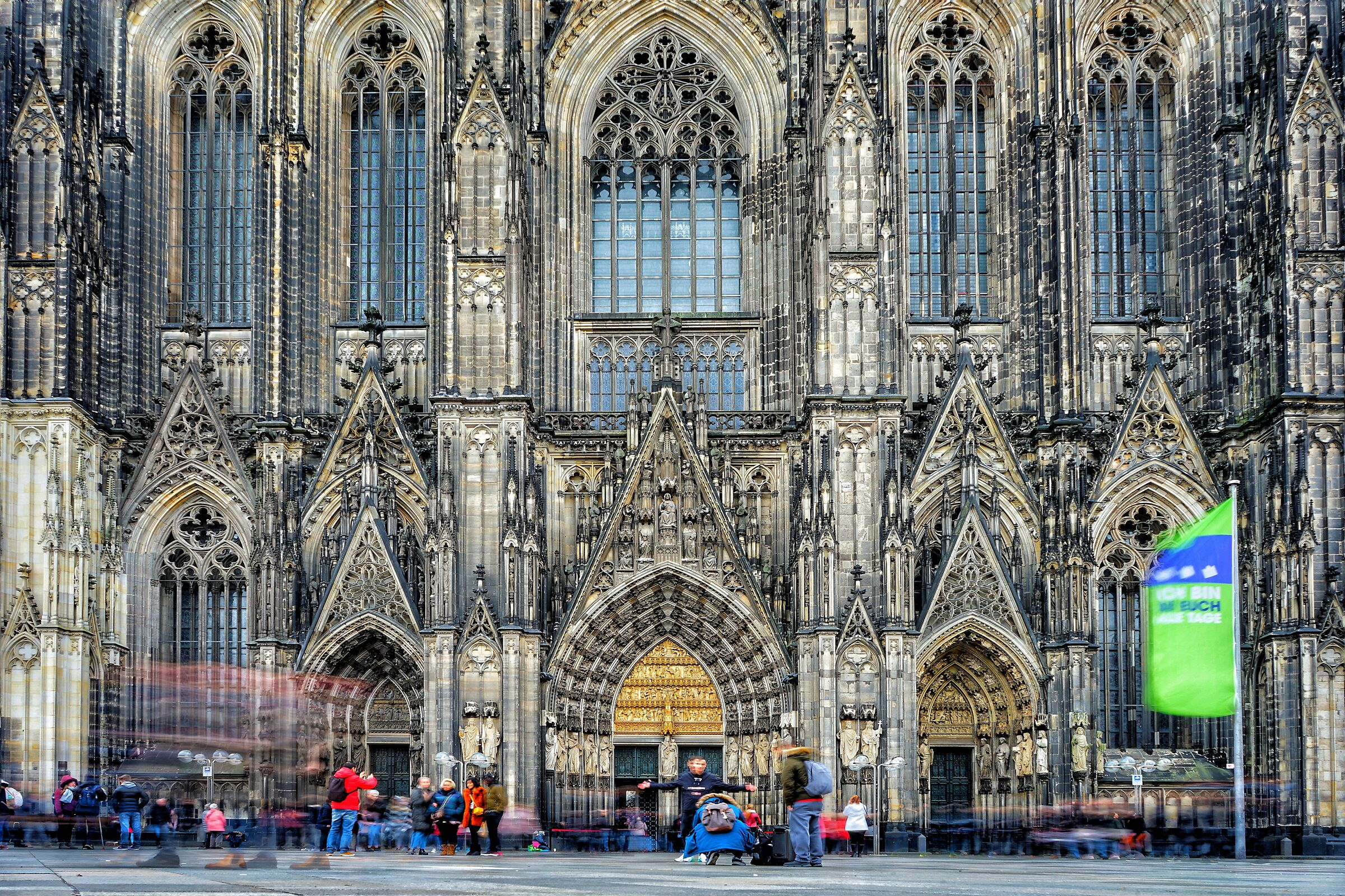 Cologne Cathedral ...