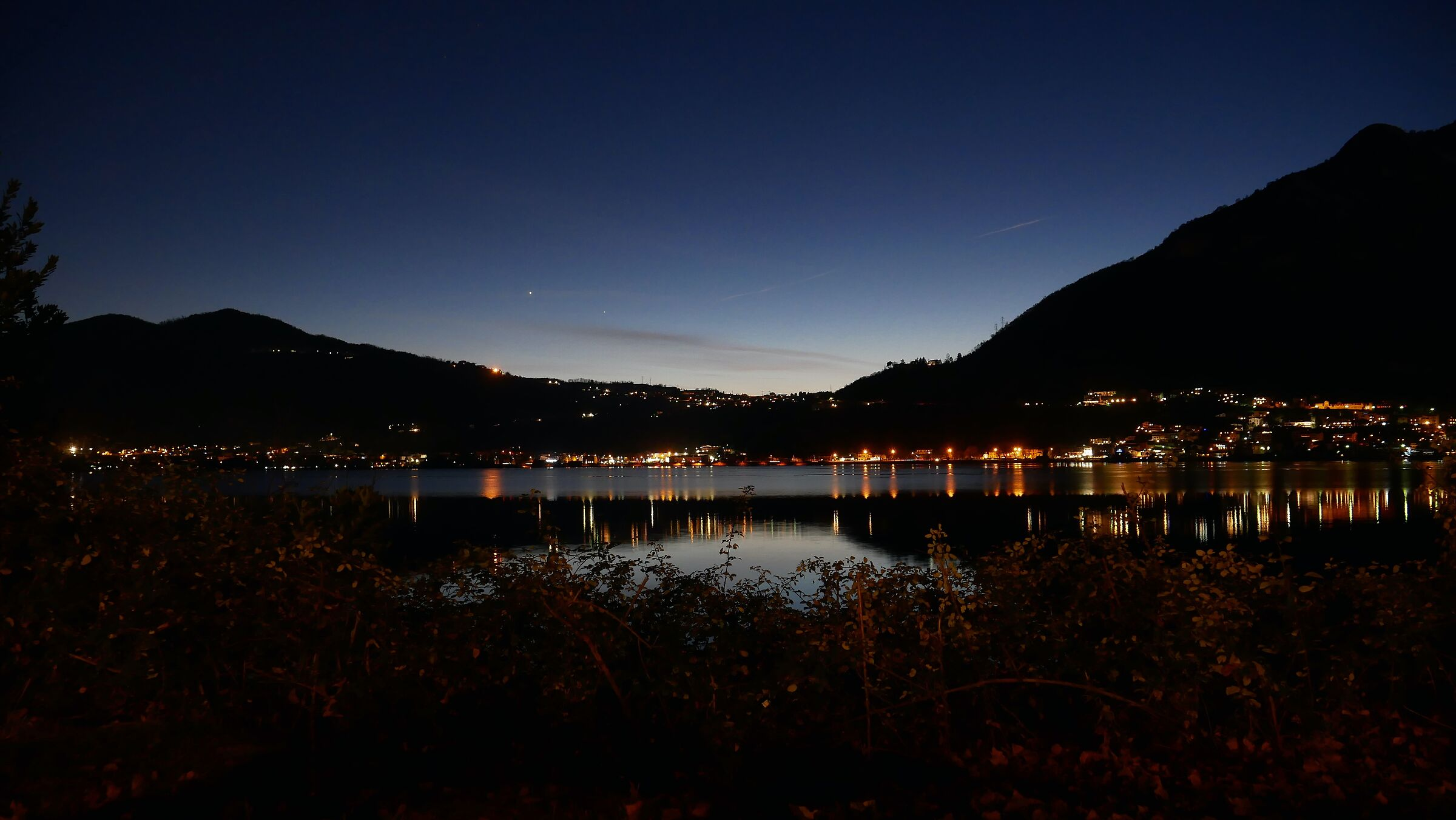 Lago di Garlate, notturno...