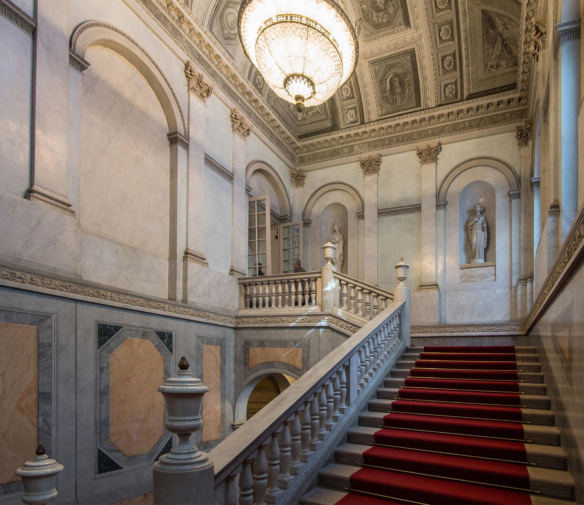 Scalone delle Gallerie d'Italia - 4...